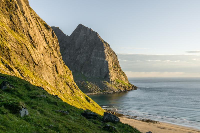 【羅弗敦群島】在世界的盡頭追逐午夜太陽 - Kvalvika Beach 16