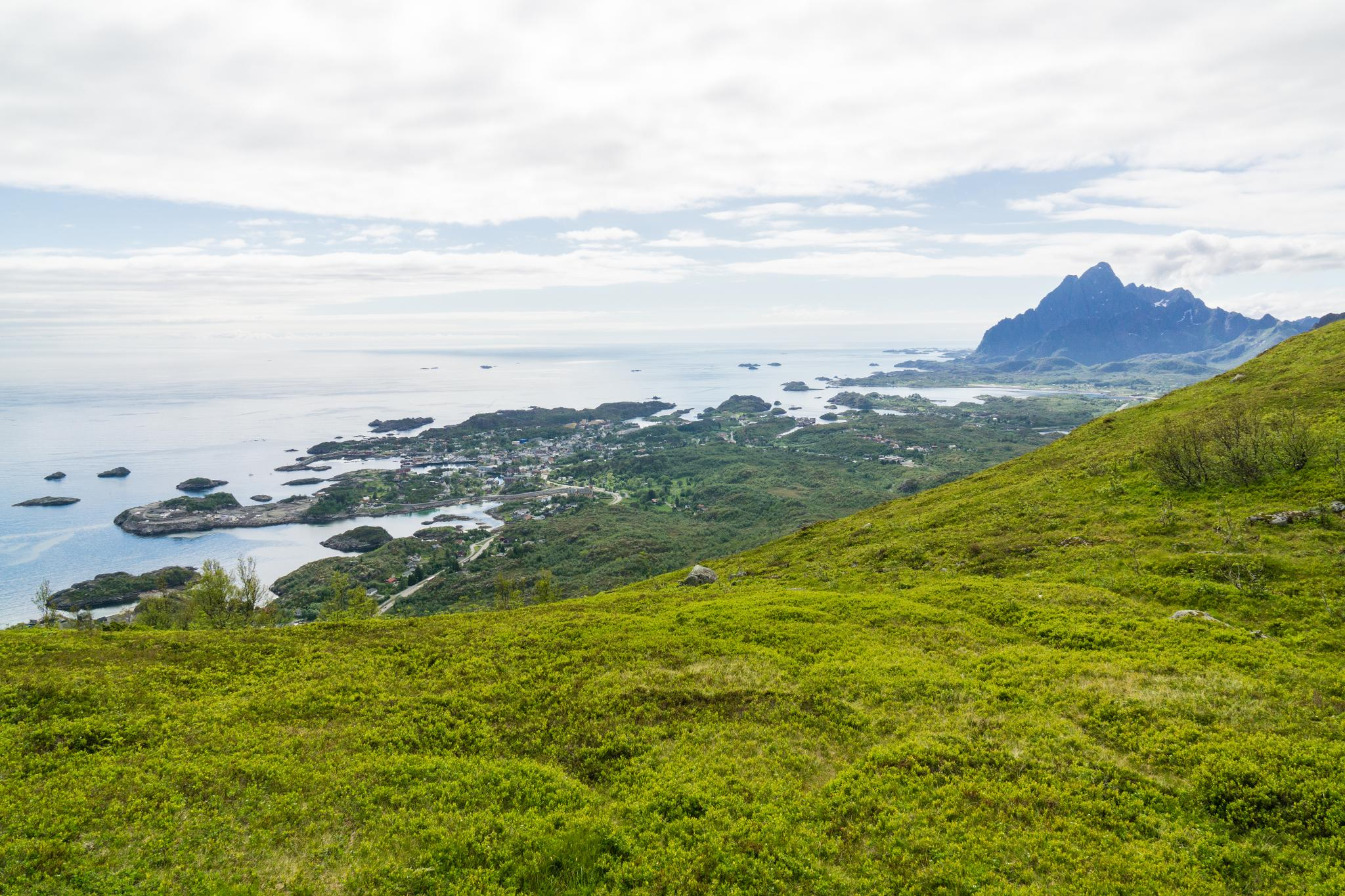 【羅弗敦群島】一次眺望兩個小鎮的人氣健行路線 - Tjeldbergtind Trail 14