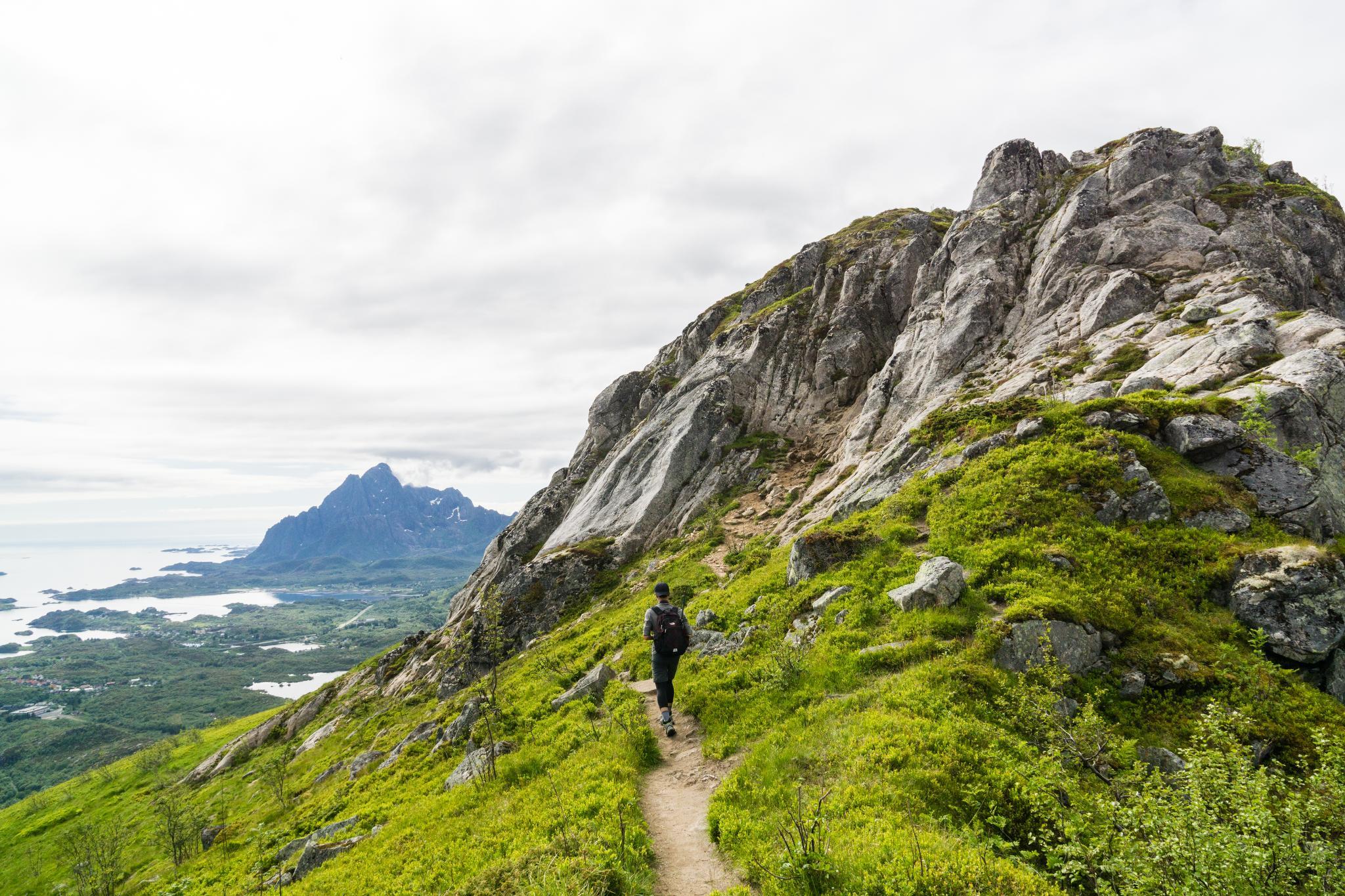 【羅弗敦群島】一次眺望兩個小鎮的人氣健行路線 - Tjeldbergtind Trail 24