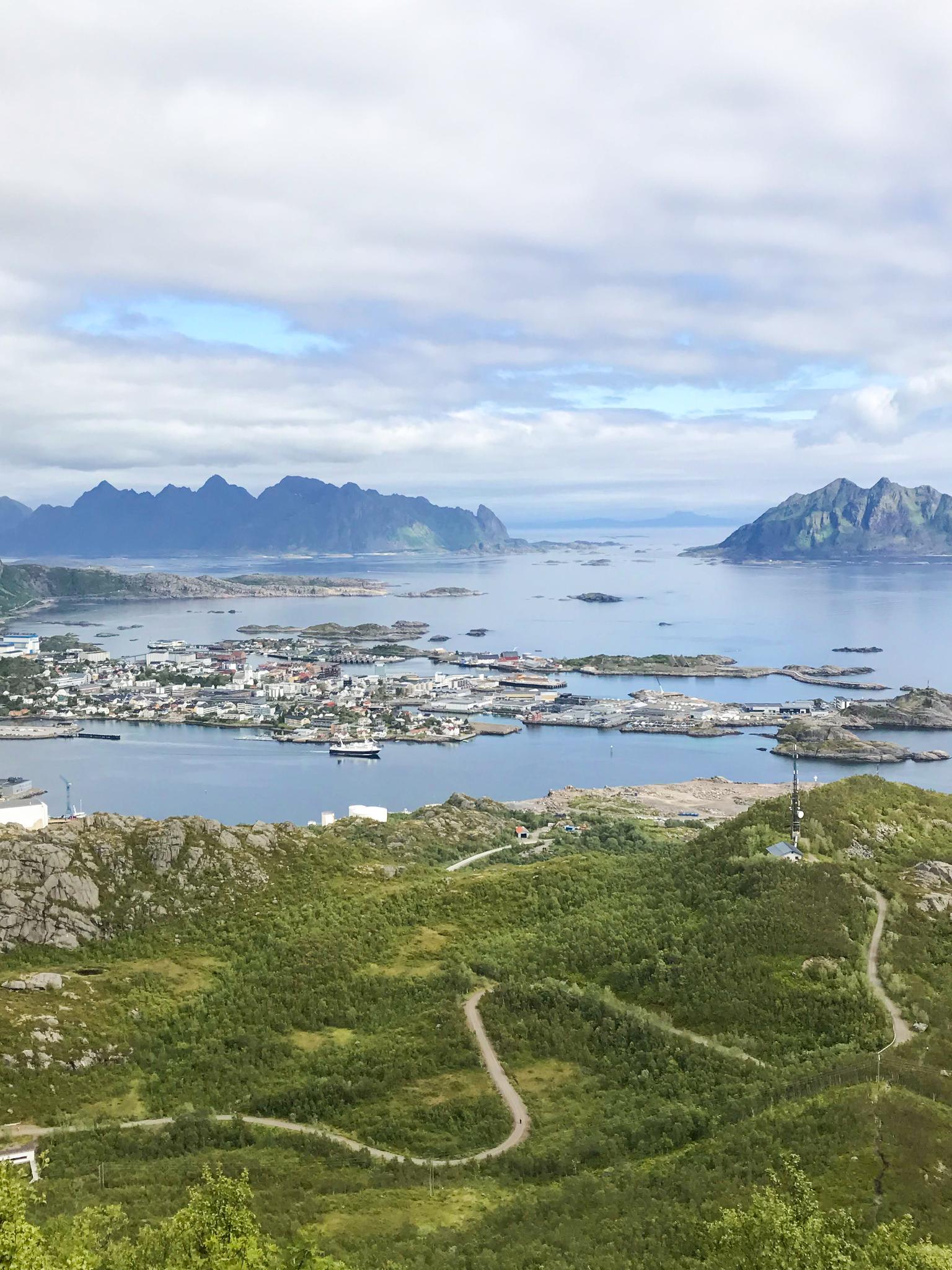 【羅弗敦群島】一次眺望兩個小鎮的人氣健行路線 - Tjeldbergtind Trail 11