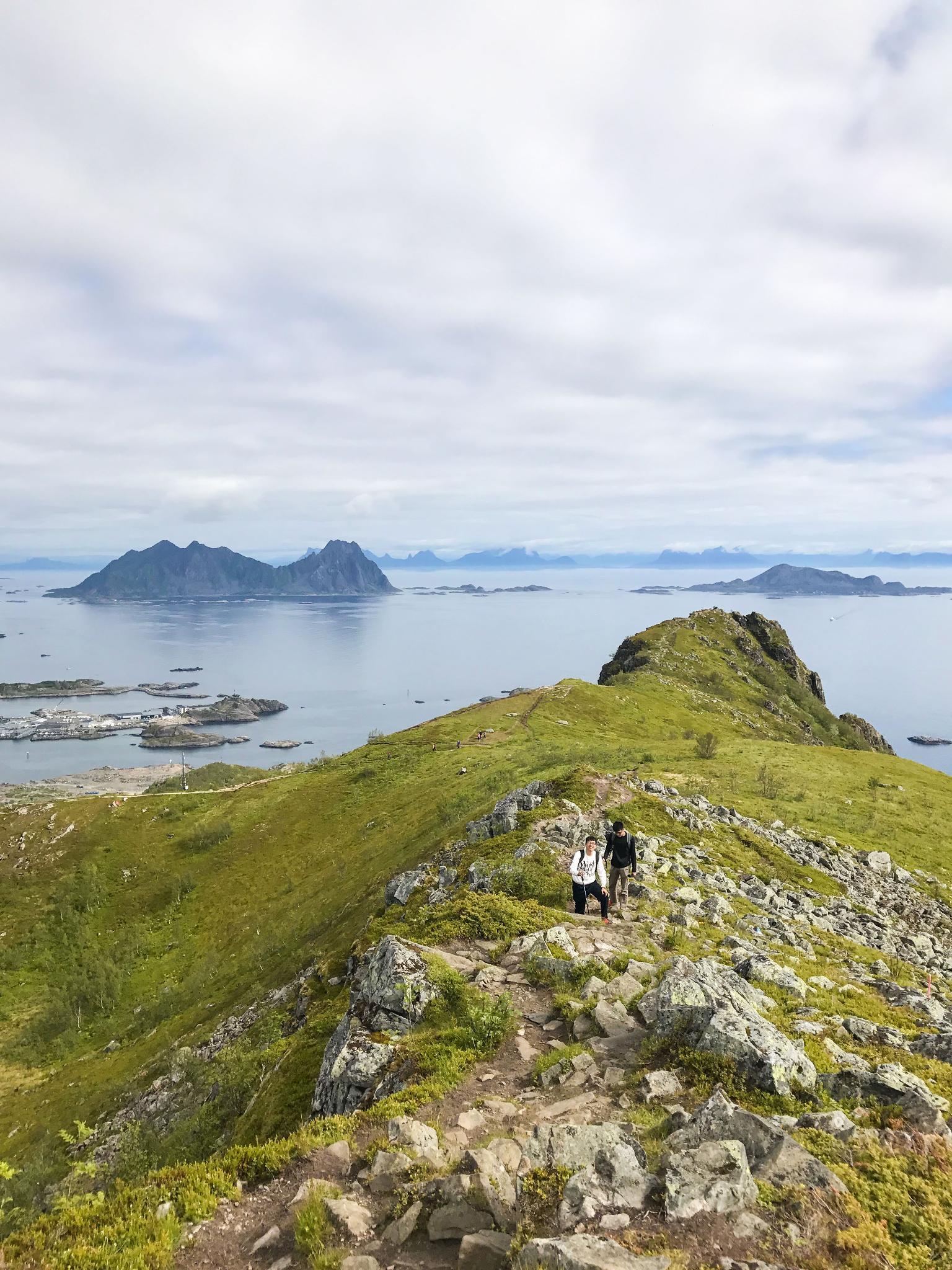 【羅弗敦群島】一次眺望兩個小鎮的人氣健行路線 - Tjeldbergtind Trail 10