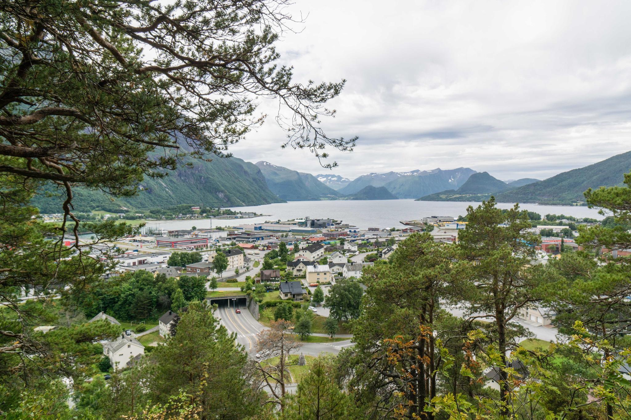 【北歐景點】峽灣區起點Åndalsnes健行 - 鳥瞰峽灣全景的Rampestreken觀景台 11
