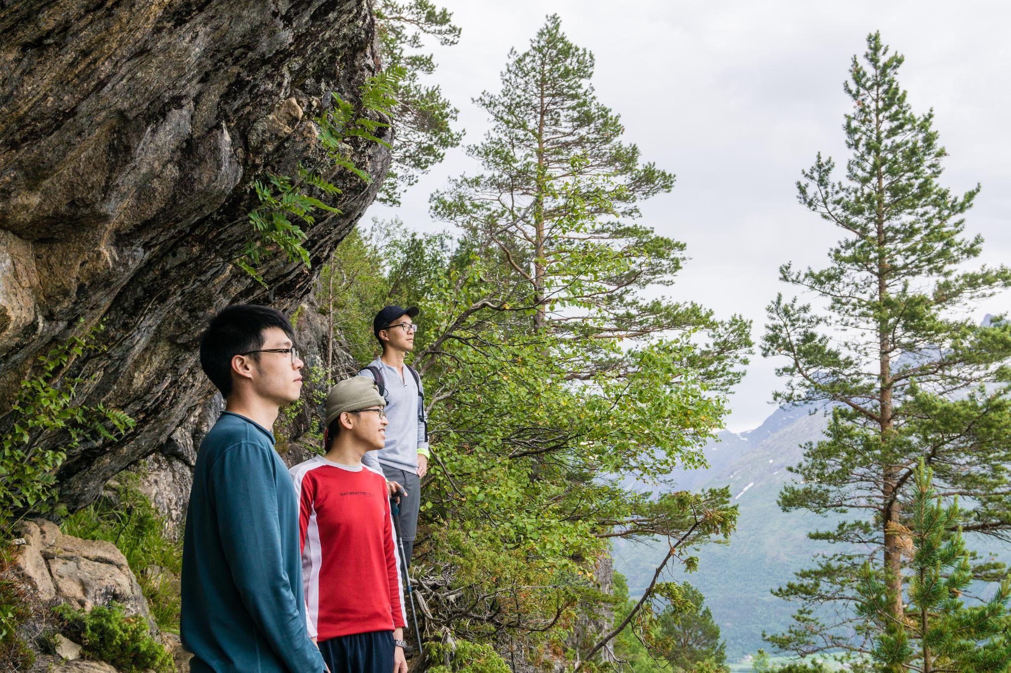 【北歐景點】峽灣區起點Åndalsnes健行 - 鳥瞰峽灣全景的Rampestreken觀景台 17