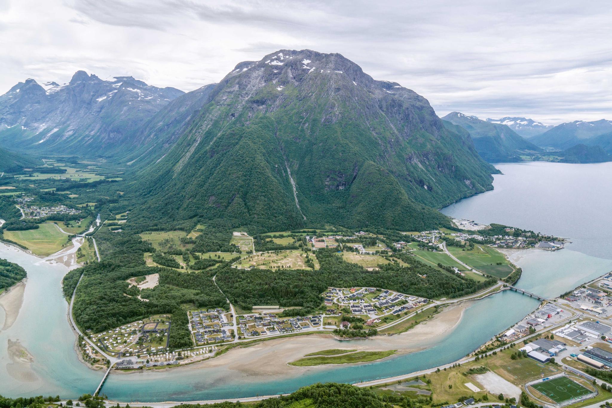 【北歐景點】峽灣區起點Åndalsnes健行 - 鳥瞰峽灣全景的Rampestreken觀景台 35