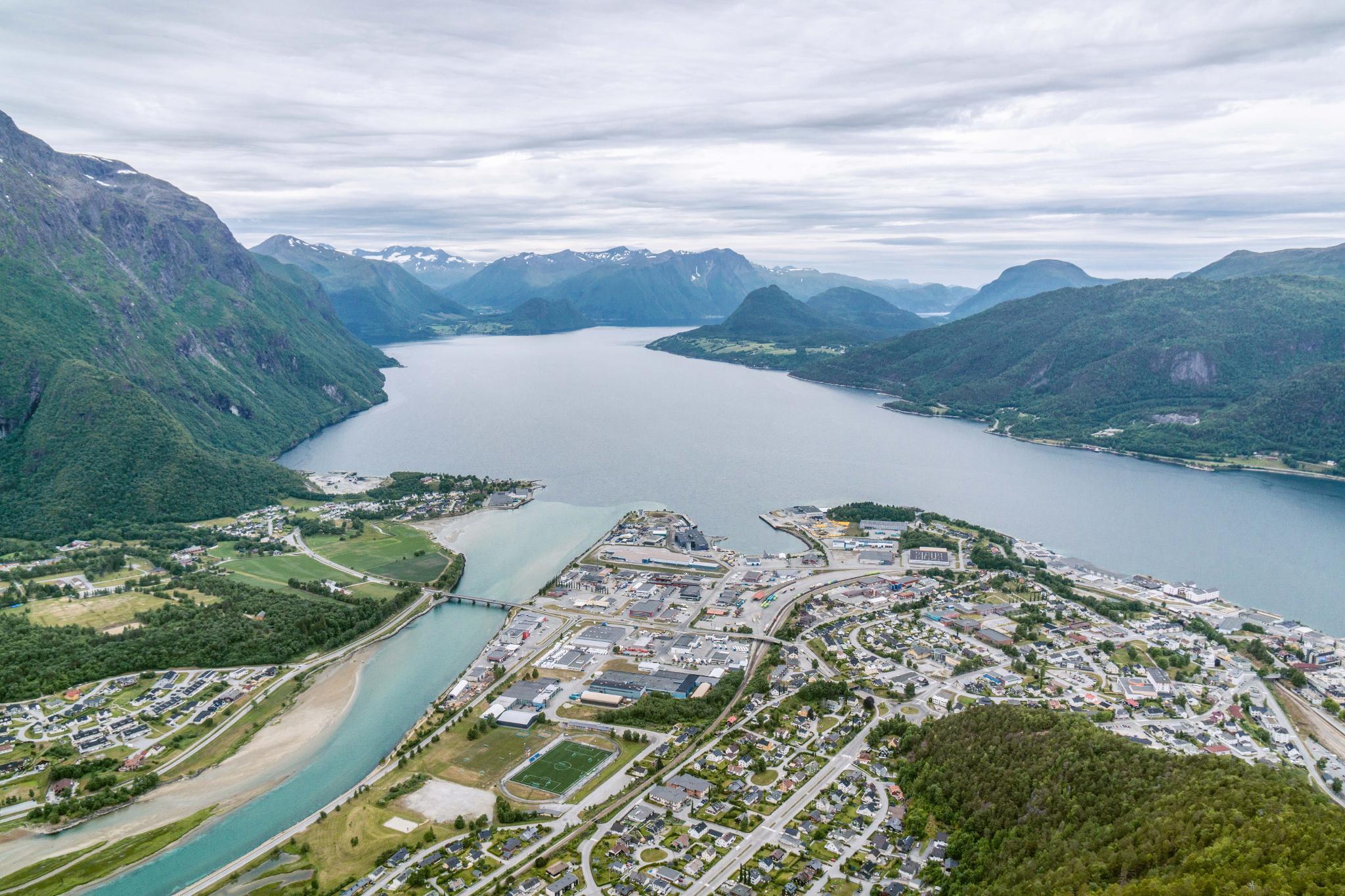 【北歐景點】峽灣區起點Åndalsnes健行 - 鳥瞰峽灣全景的Rampestreken觀景台 36