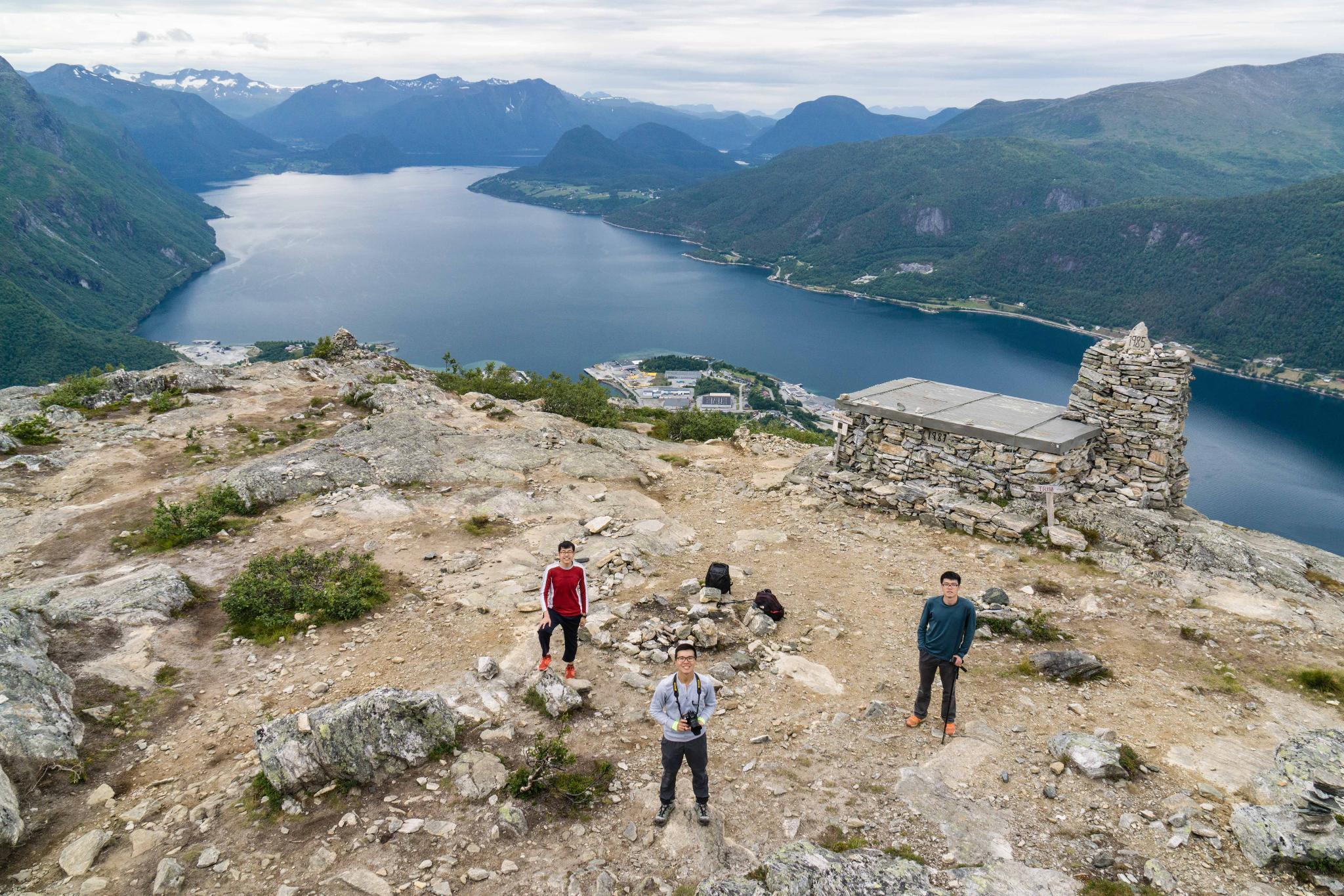 【北歐景點】峽灣區起點Åndalsnes健行 - 鳥瞰峽灣全景的Rampestreken觀景台 28