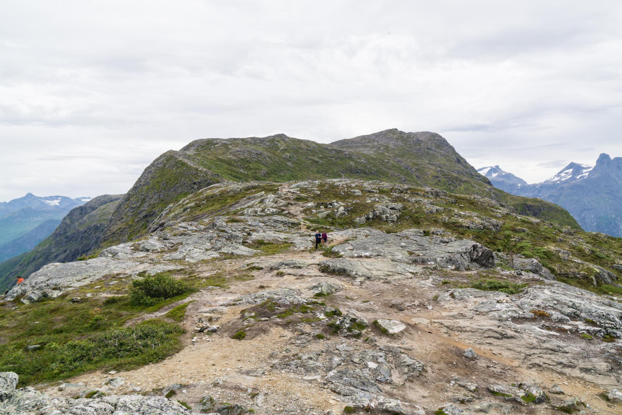 【北歐景點】峽灣區起點Åndalsnes健行 - 鳥瞰峽灣全景的Rampestreken觀景台 27