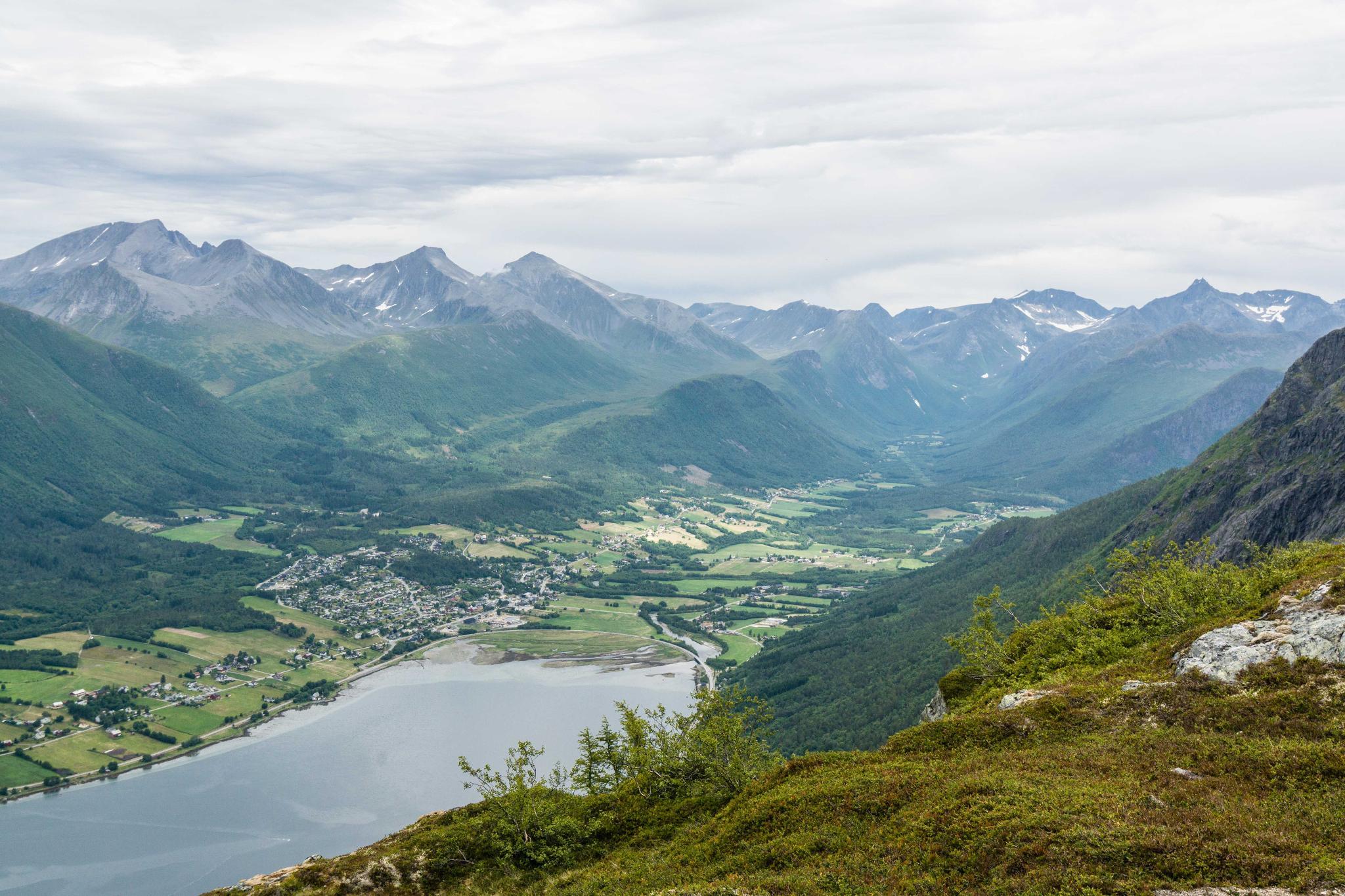 【北歐景點】峽灣區起點Åndalsnes健行 - 鳥瞰峽灣全景的Rampestreken觀景台 31