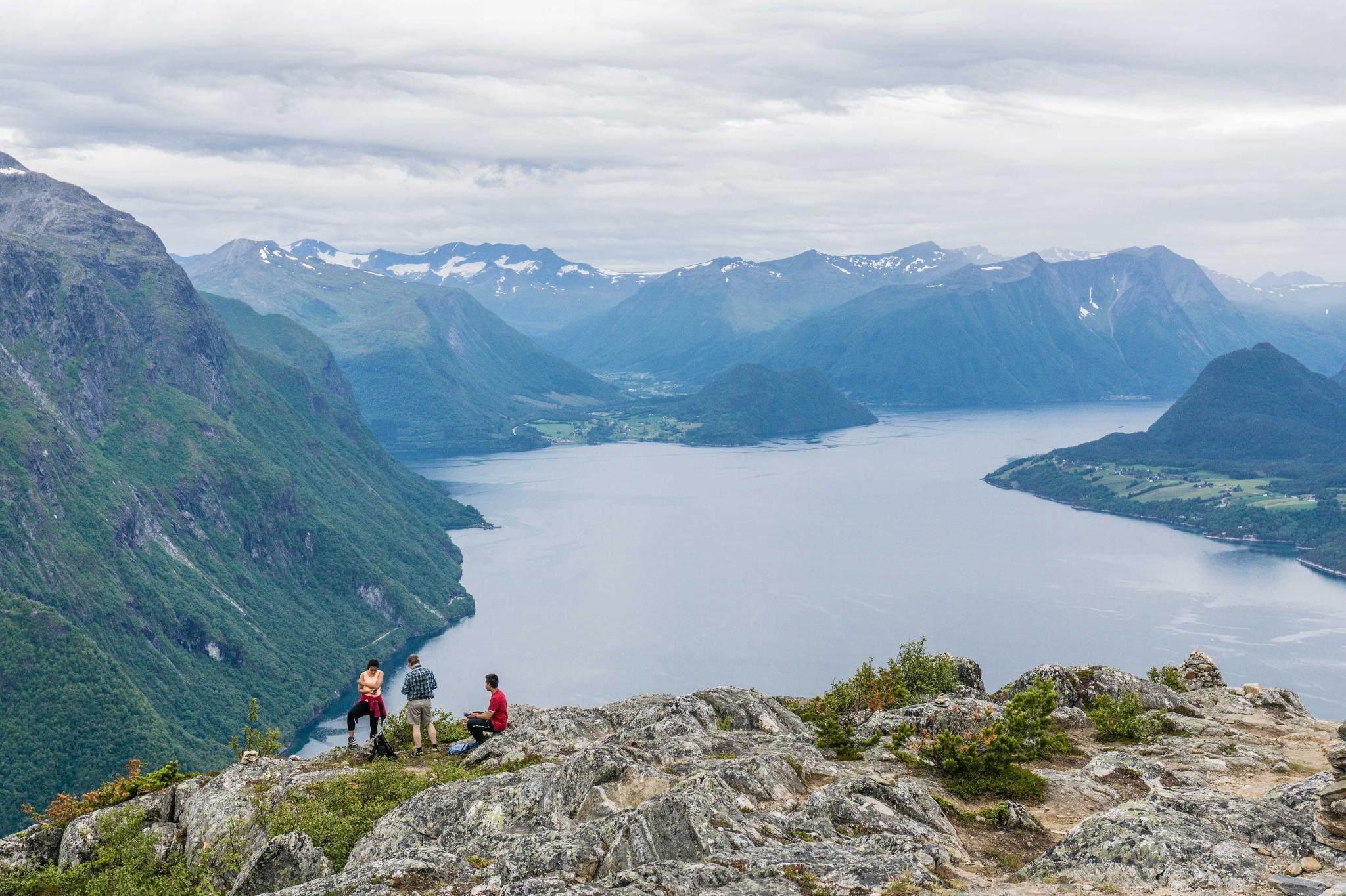 【北歐景點】峽灣區起點Åndalsnes健行 - 鳥瞰峽灣全景的Rampestreken觀景台 29