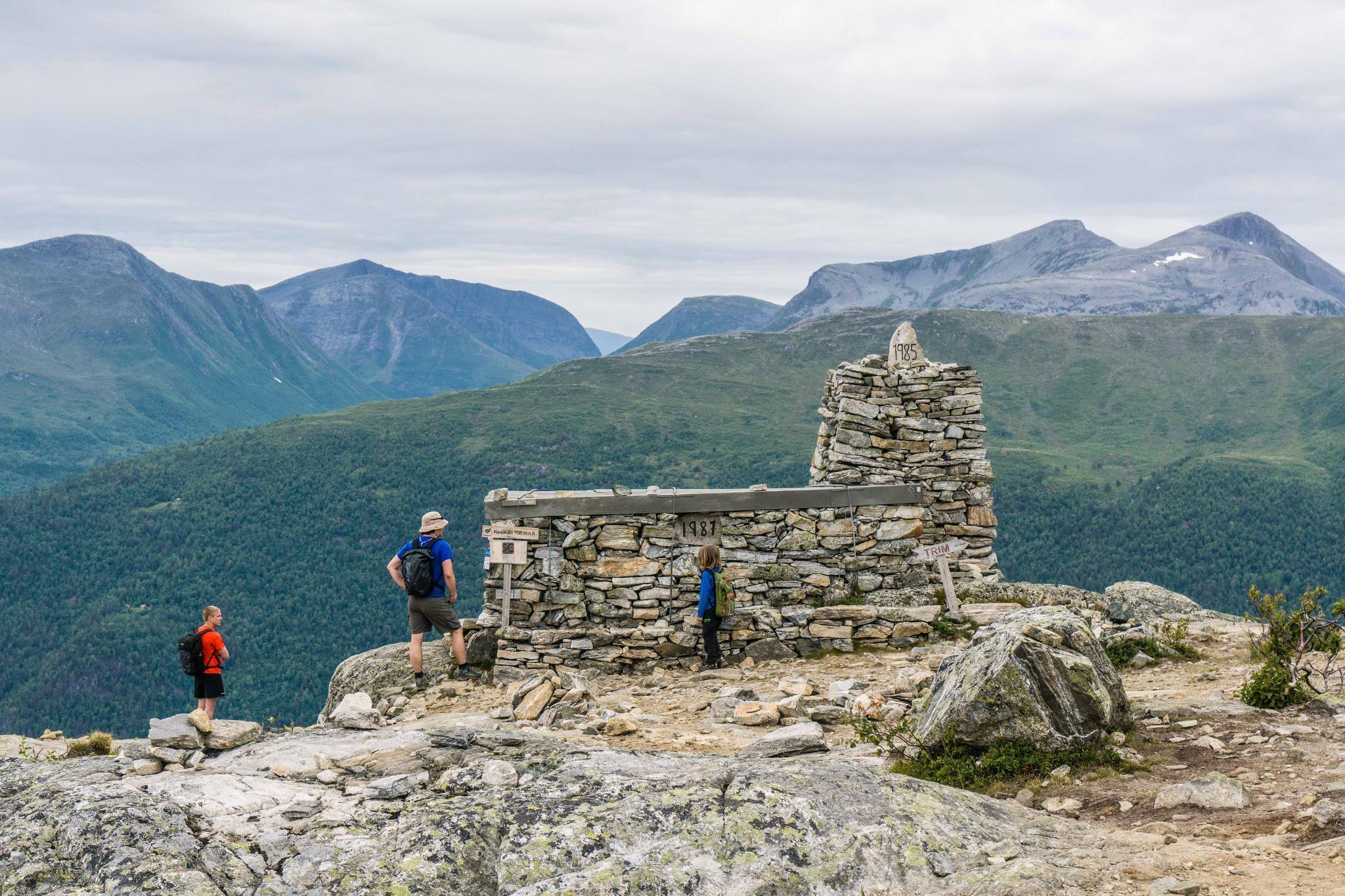 【北歐景點】峽灣區起點Åndalsnes健行 - 鳥瞰峽灣全景的Rampestreken觀景台 38