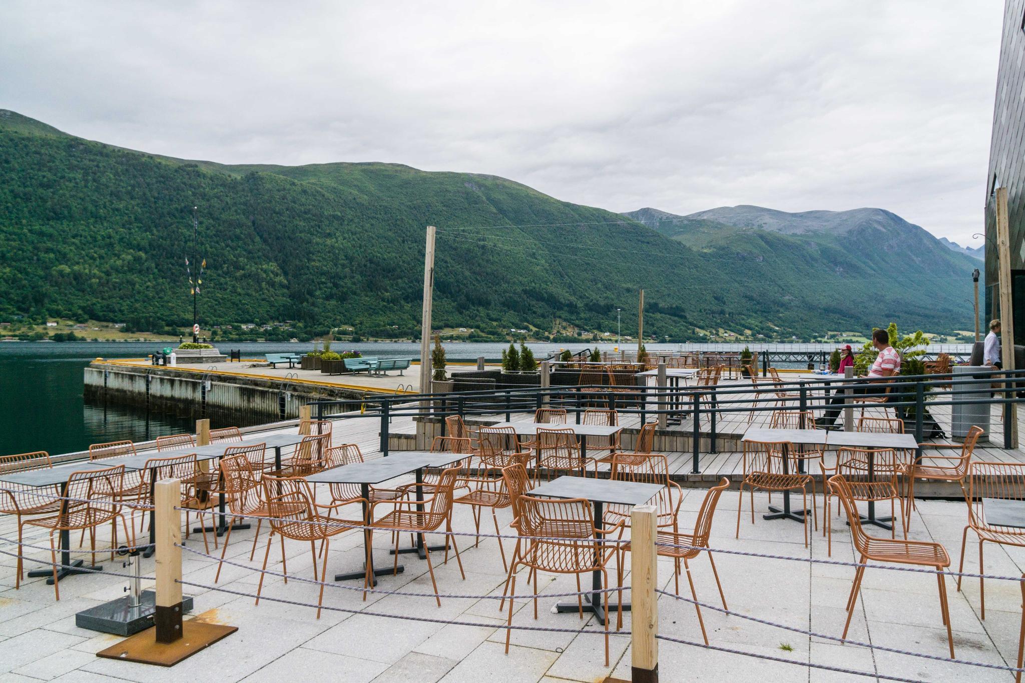 【北歐景點】峽灣區起點Åndalsnes健行 - 鳥瞰峽灣全景的Rampestreken觀景台 42