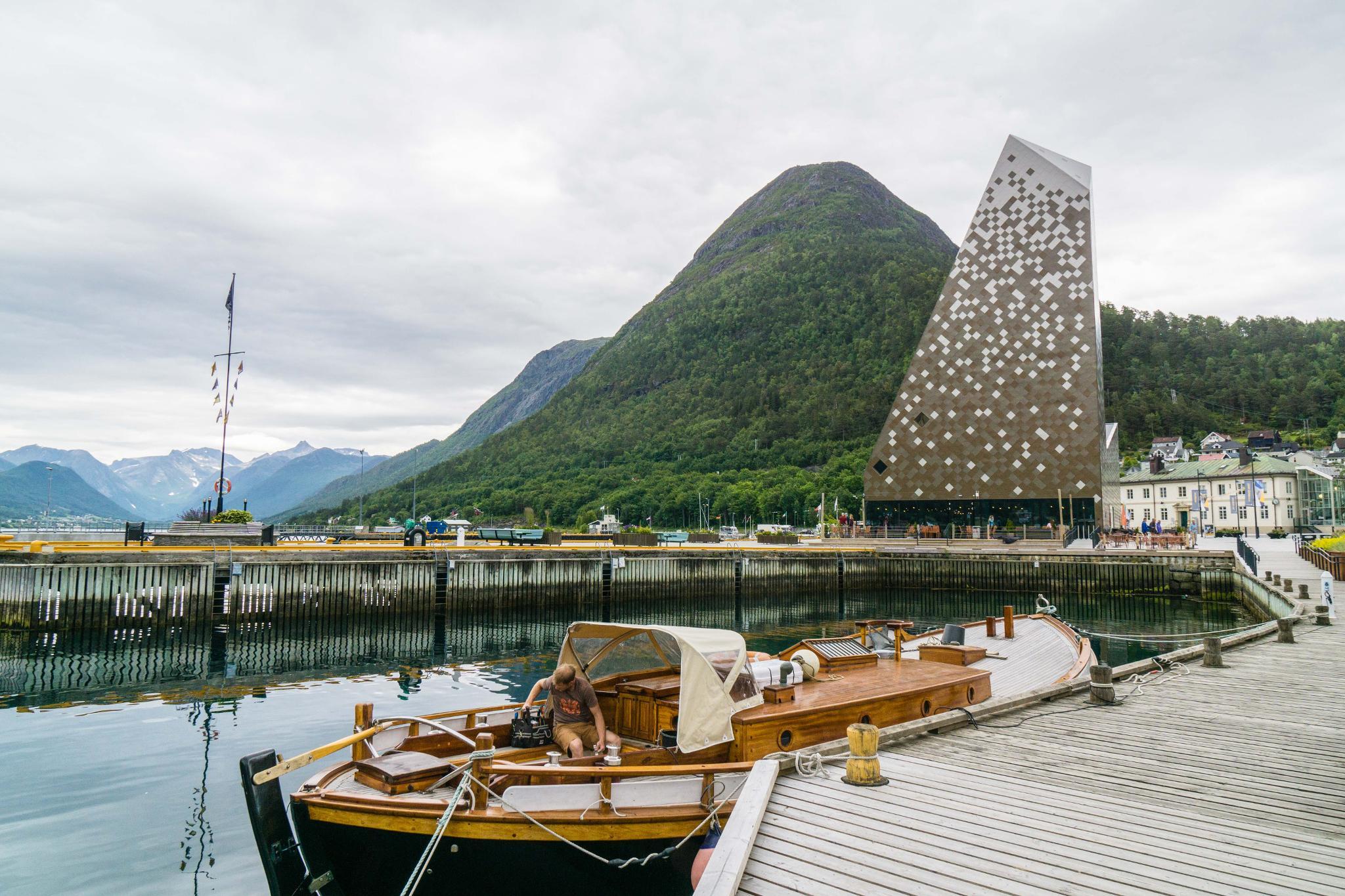 【北歐景點】峽灣區起點Åndalsnes健行 - 鳥瞰峽灣全景的Rampestreken觀景台 41