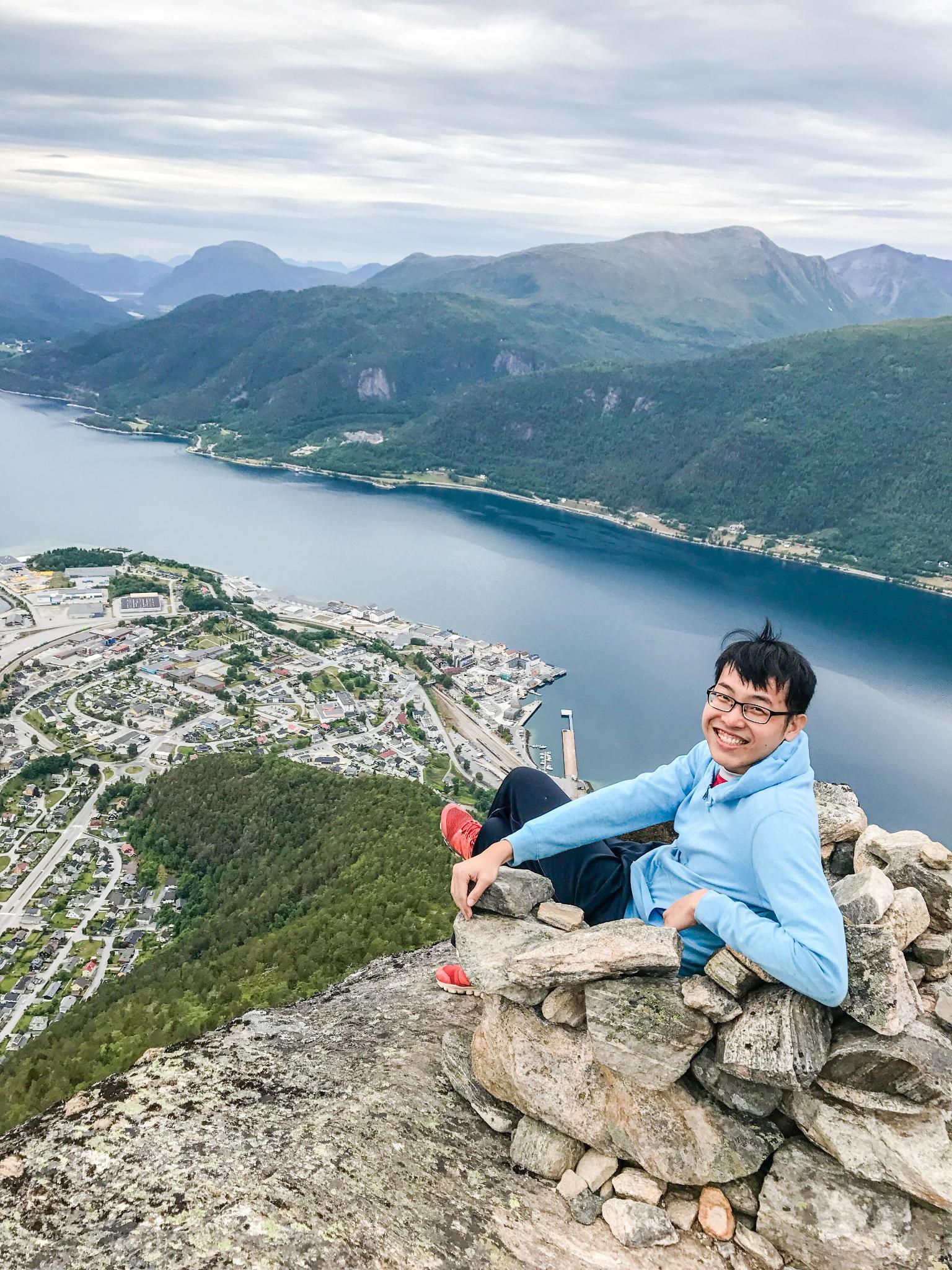 【北歐景點】峽灣區起點Åndalsnes健行 - 鳥瞰峽灣全景的Rampestreken觀景台 26