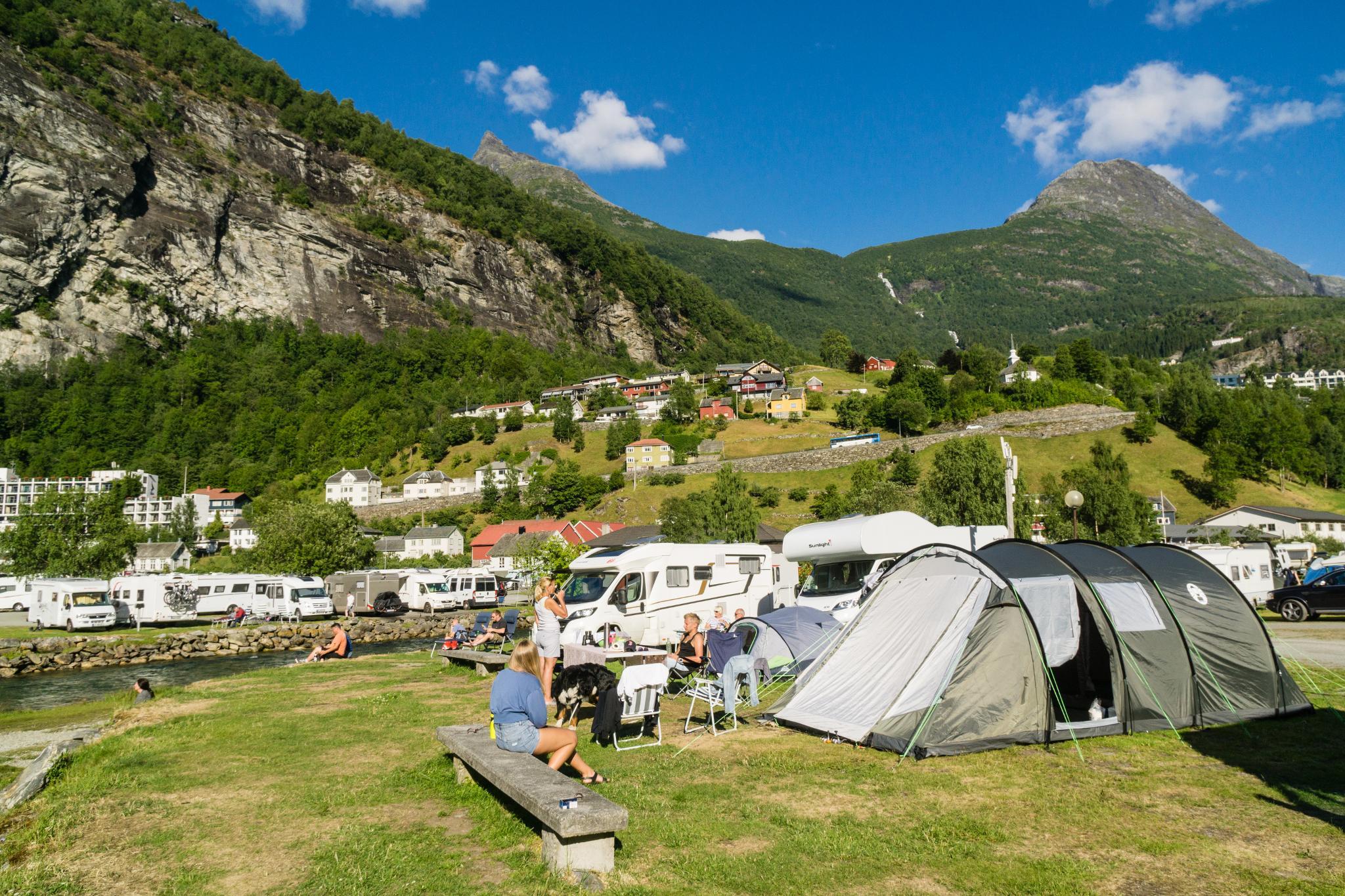 【北歐露營】在世界遺產峽灣旁露營 — 坐擁壯闊海景第一排的 Geiranger Camping 7
