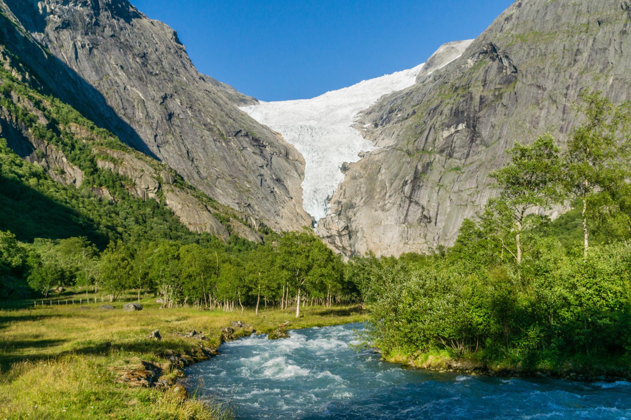 【北歐景點】挪威散步看冰川 - Briksdal Glacier 逐漸消融的冰河哀愁 5