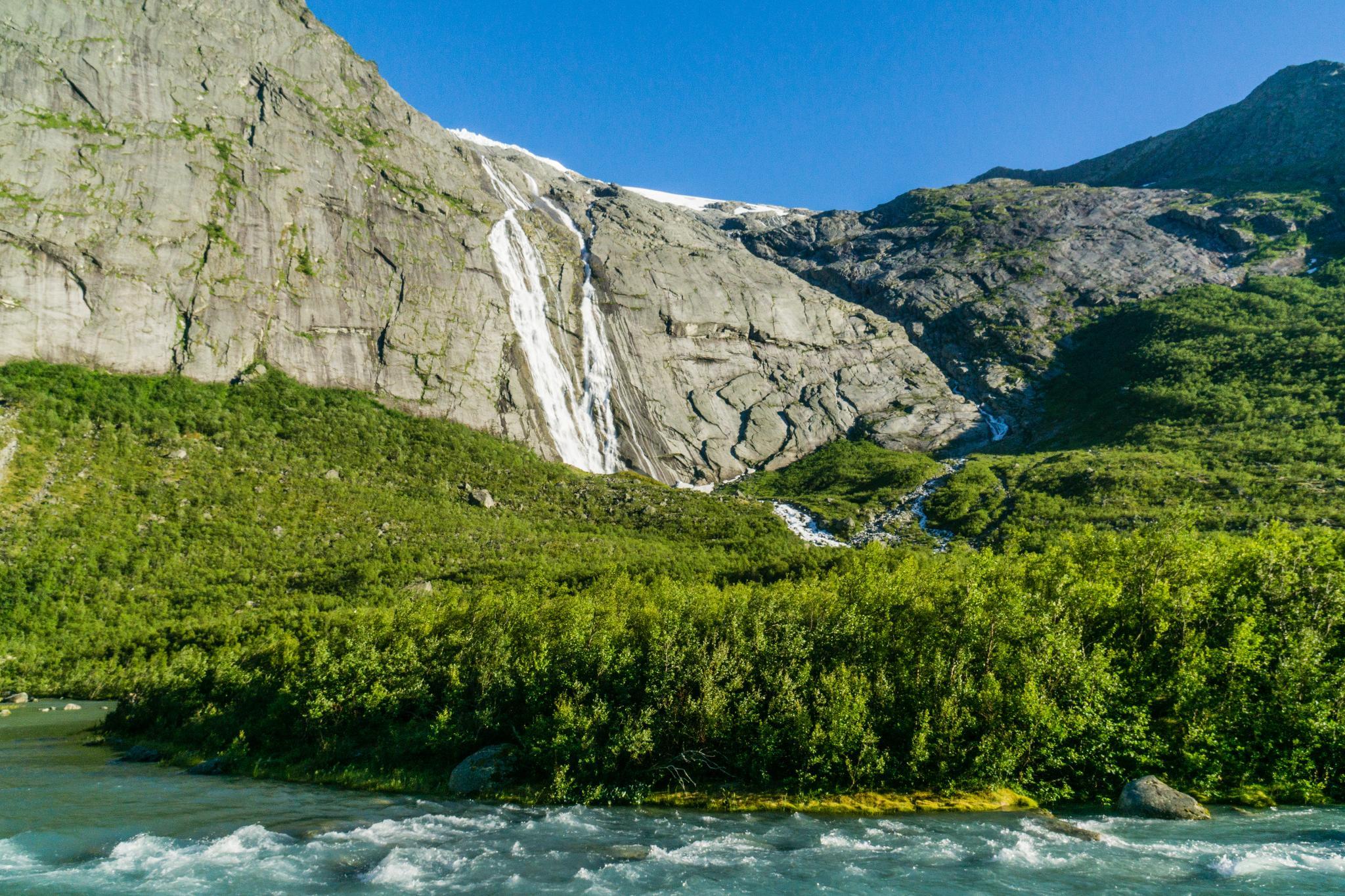 【北歐景點】挪威散步看冰川 - Briksdal Glacier 逐漸消融的冰河哀愁 8