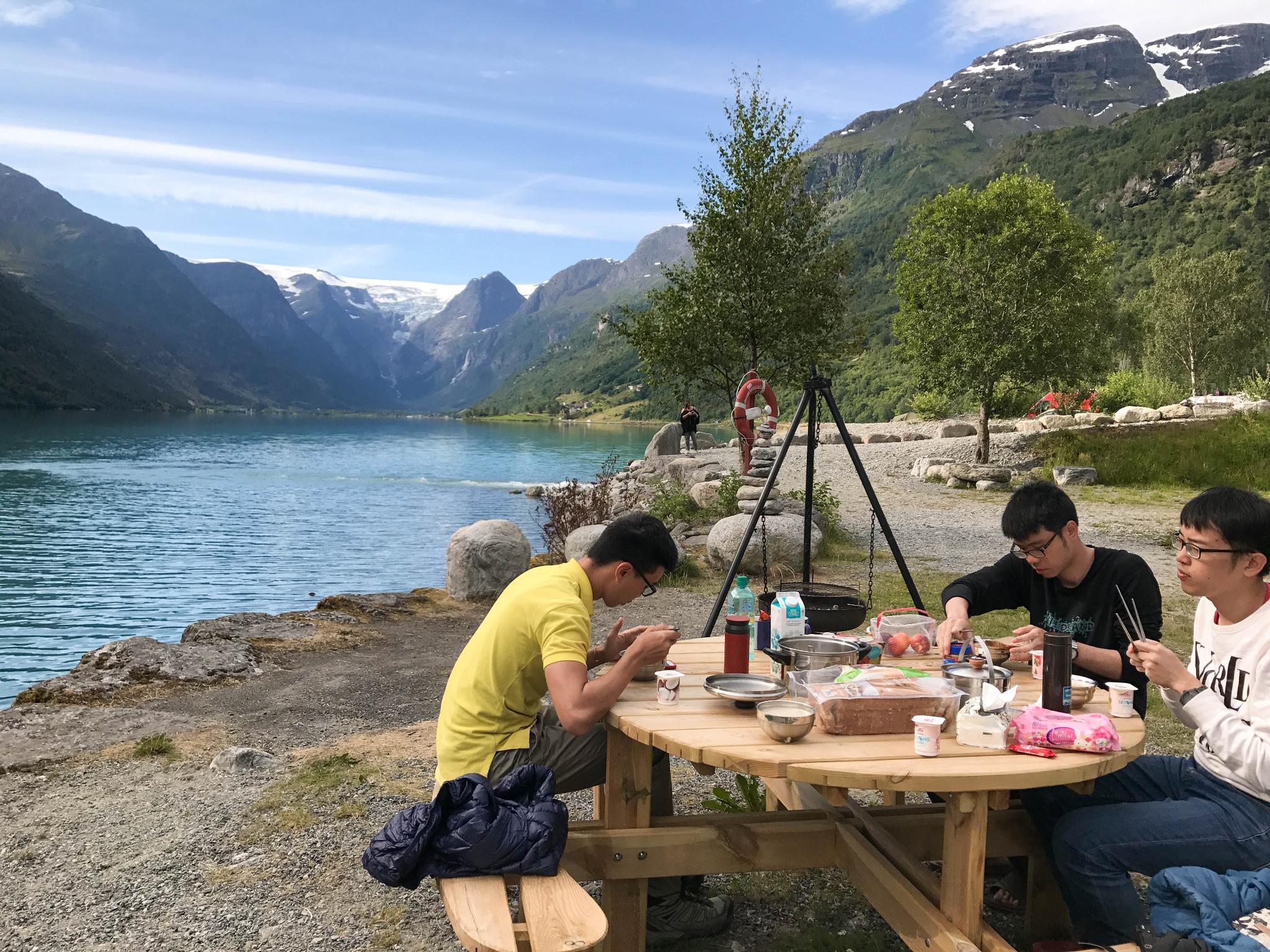 【北歐露營】擁抱Briksdal Glacier的怦然心動 - 在冰河最前緣露營的Gryta Camping 11