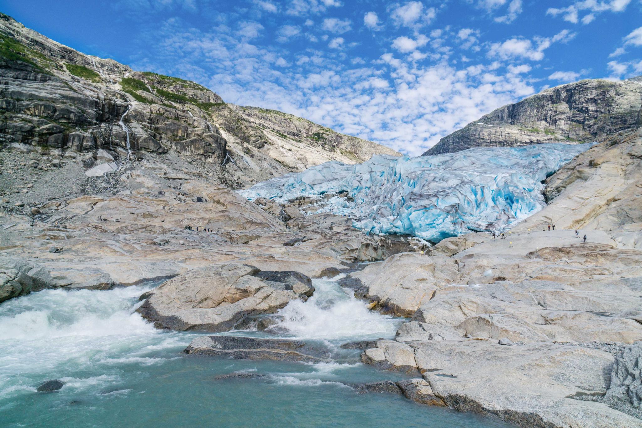 【北歐景點】冒險挪威!峽灣區最刺激的冰河健行 - Nigardsbreen Long Blue Ice Hike 4
