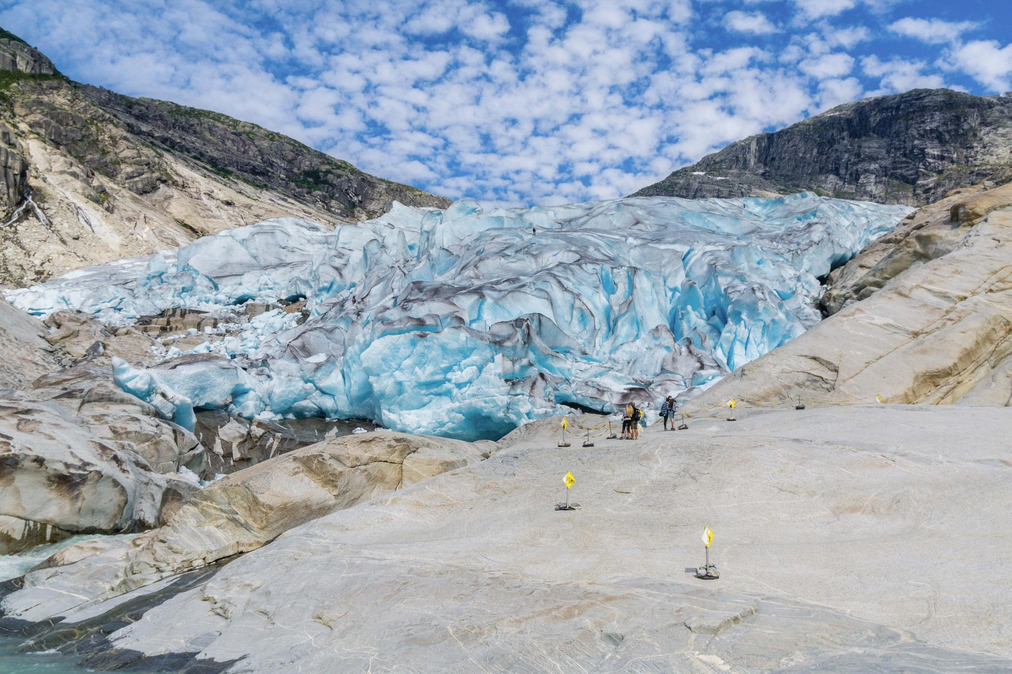 【北歐景點】冒險挪威!峽灣區最刺激的冰河健行 - Nigardsbreen Long Blue Ice Hike 19