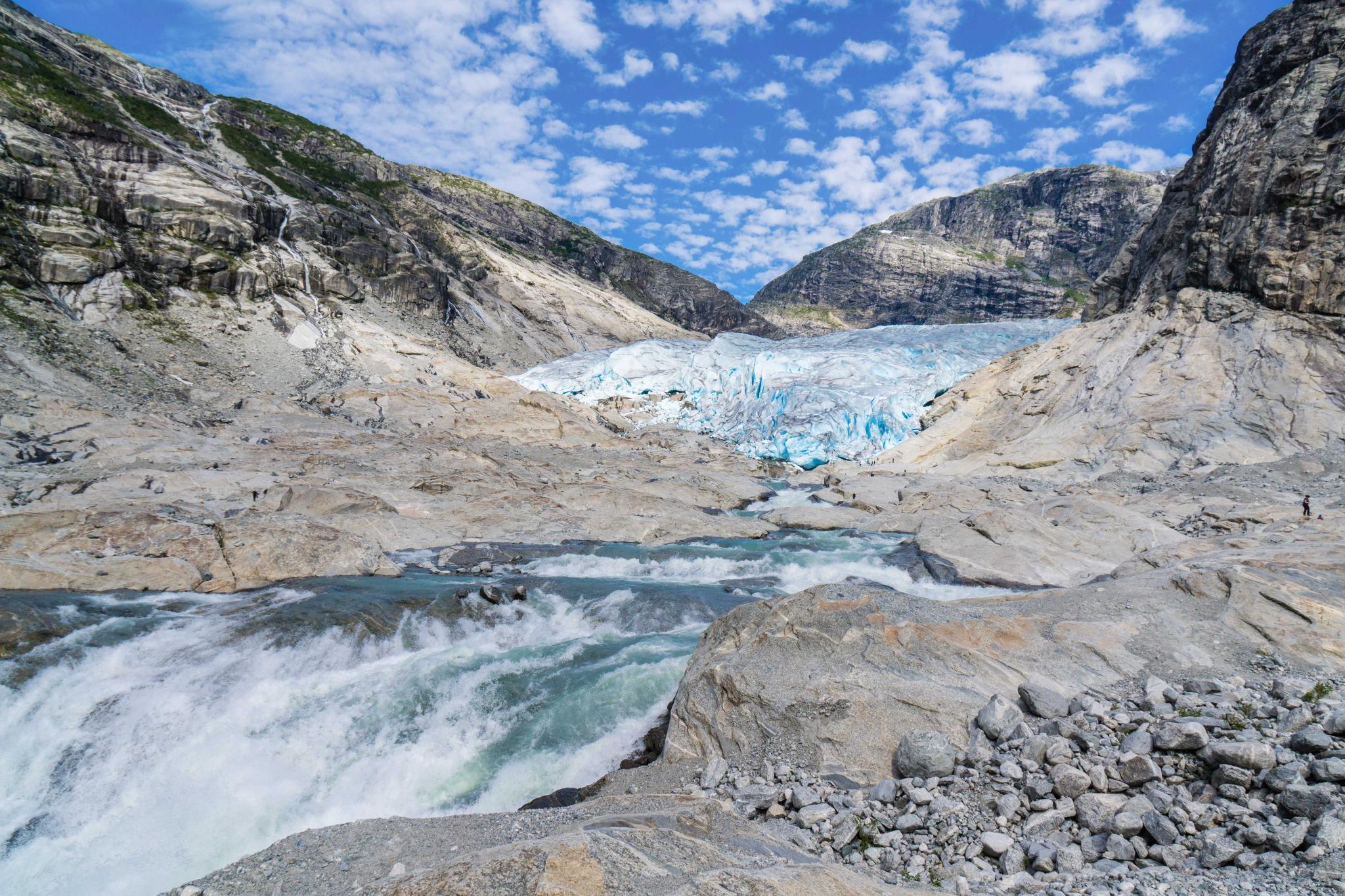 【北歐景點】冒險挪威!峽灣區最刺激的冰河健行 - Nigardsbreen Long Blue Ice Hike 25