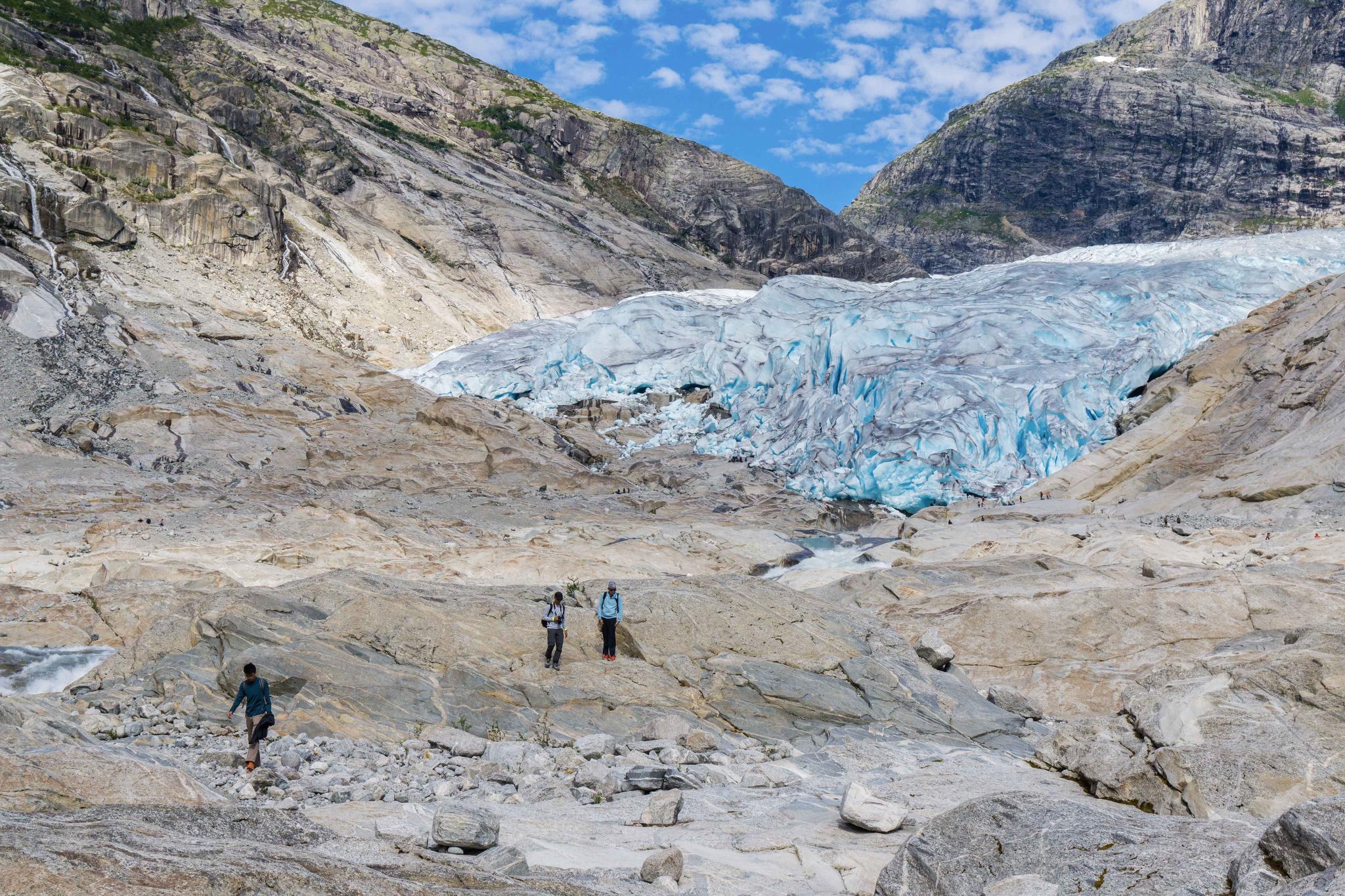 【北歐景點】冒險挪威!峽灣區最刺激的冰河健行 - Nigardsbreen Long Blue Ice Hike 22