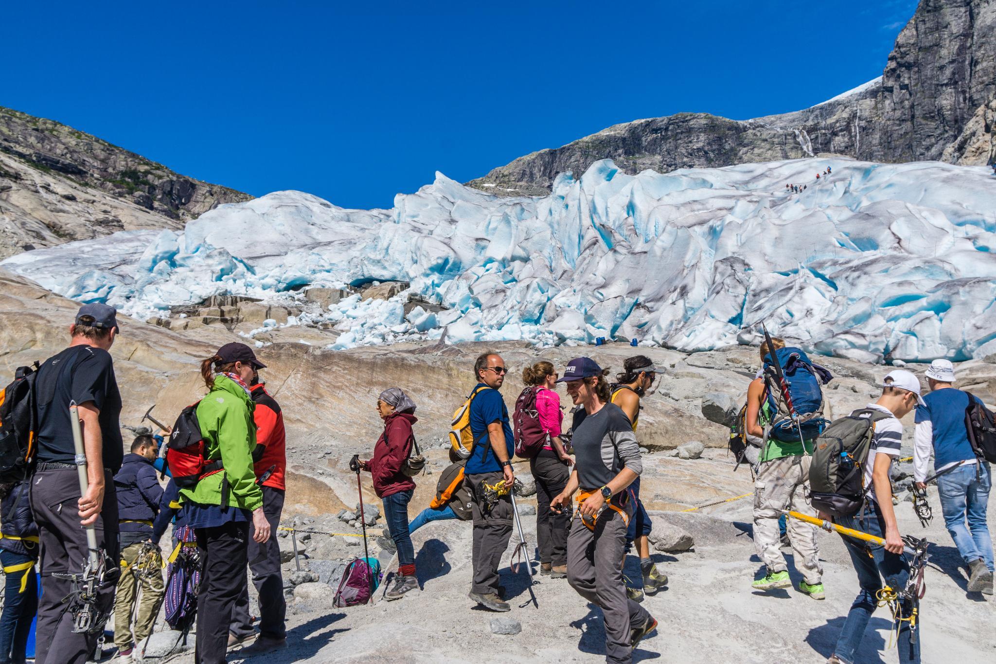 【北歐景點】冒險挪威!峽灣區最刺激的冰河健行 - Nigardsbreen Long Blue Ice Hike 28