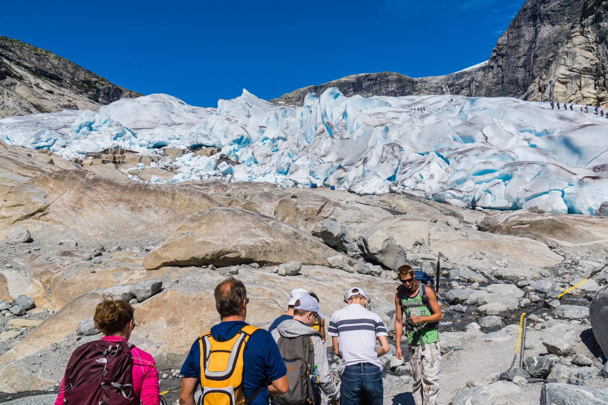 【北歐景點】冒險挪威!峽灣區最刺激的冰河健行 - Nigardsbreen Long Blue Ice Hike 29