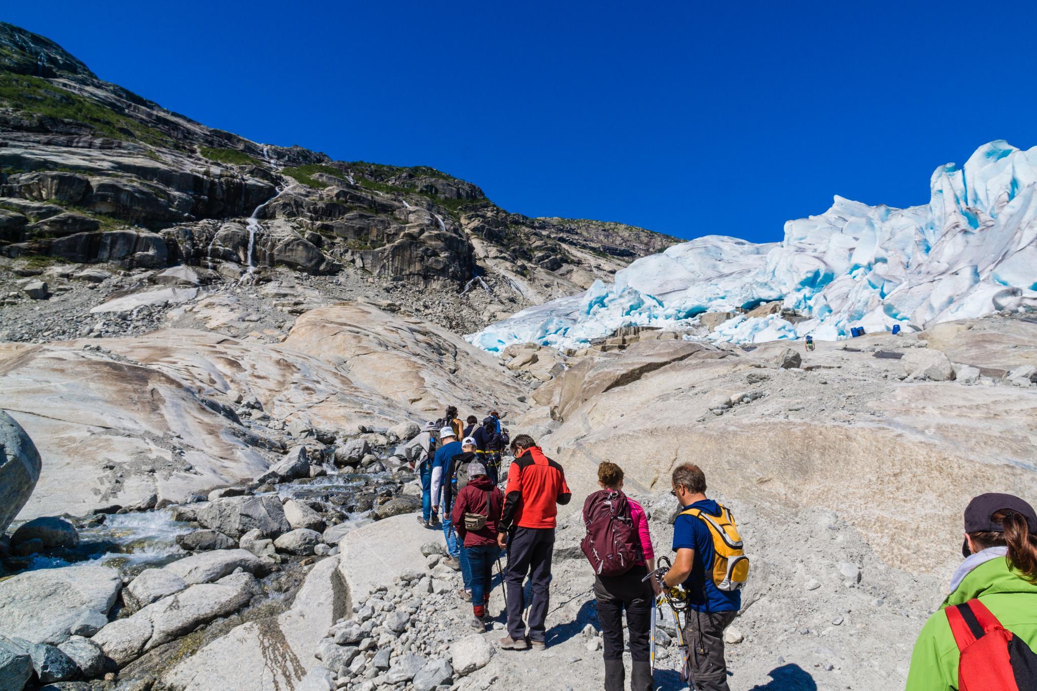 【北歐景點】冒險挪威!峽灣區最刺激的冰河健行 - Nigardsbreen Long Blue Ice Hike 30