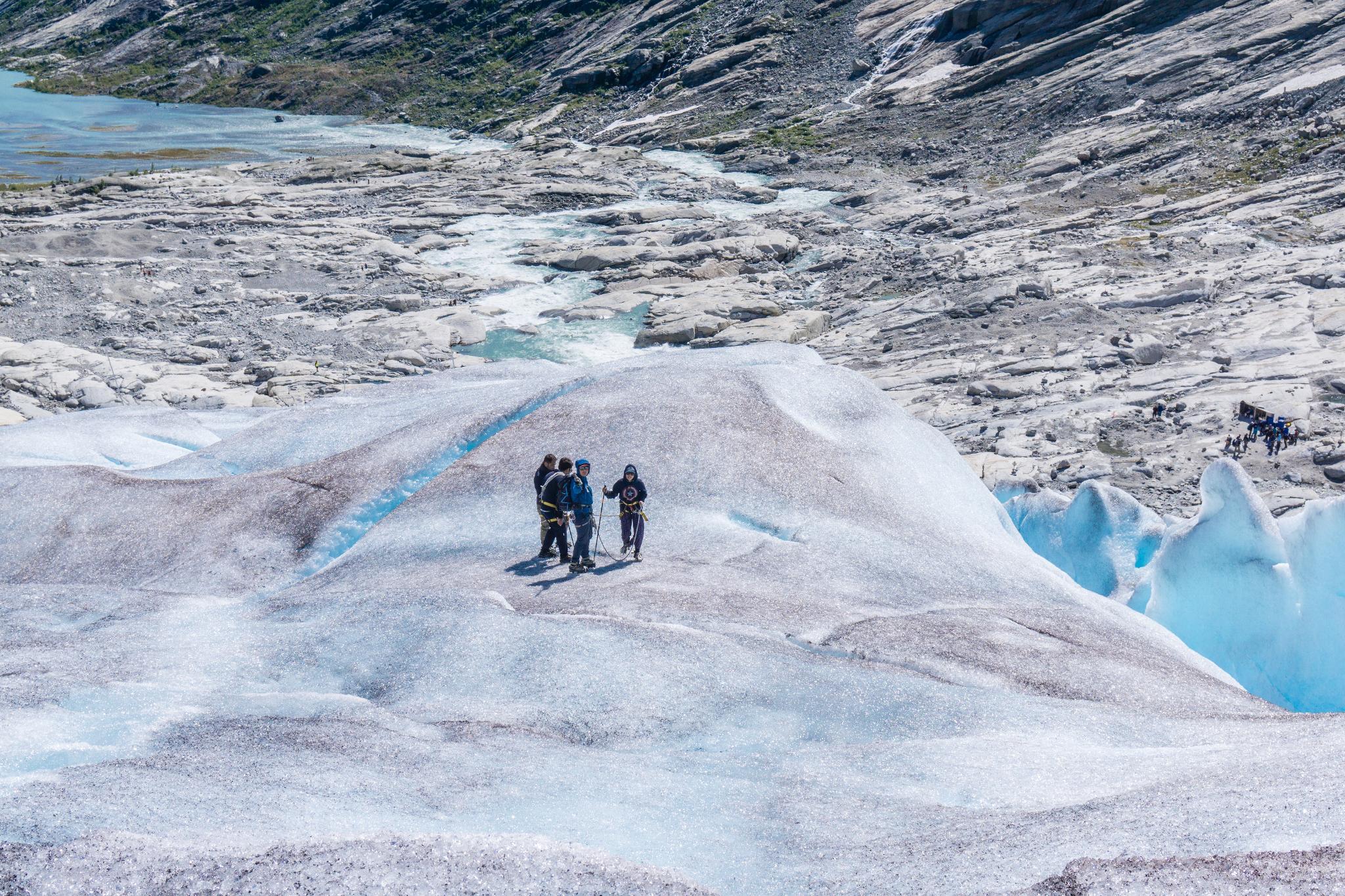 【北歐景點】冒險挪威!峽灣區最刺激的冰河健行 - Nigardsbreen Long Blue Ice Hike 33