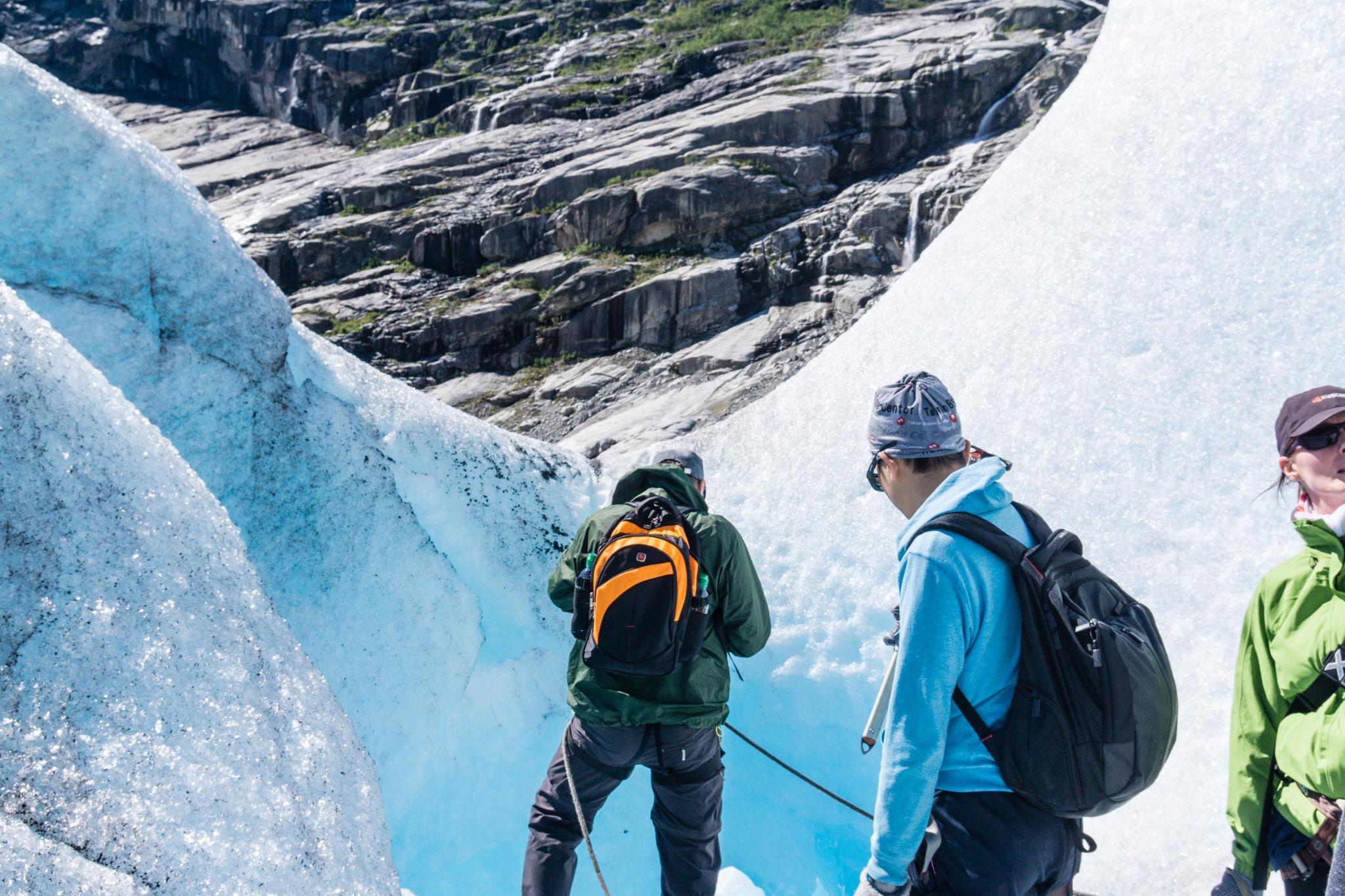 【北歐景點】冒險挪威!峽灣區最刺激的冰河健行 - Nigardsbreen Long Blue Ice Hike 35