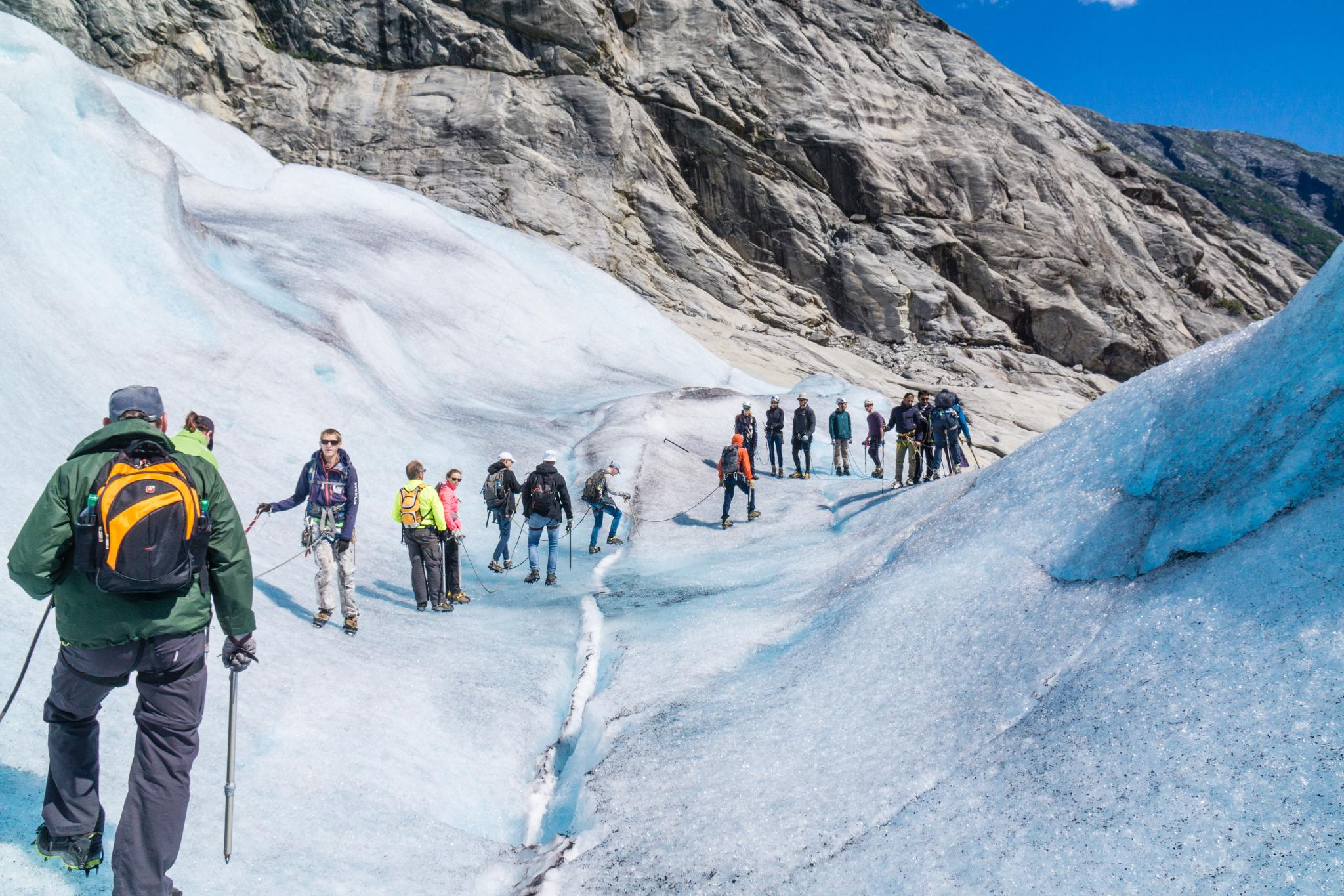 【北歐景點】冒險挪威!峽灣區最刺激的冰河健行 - Nigardsbreen Long Blue Ice Hike 34