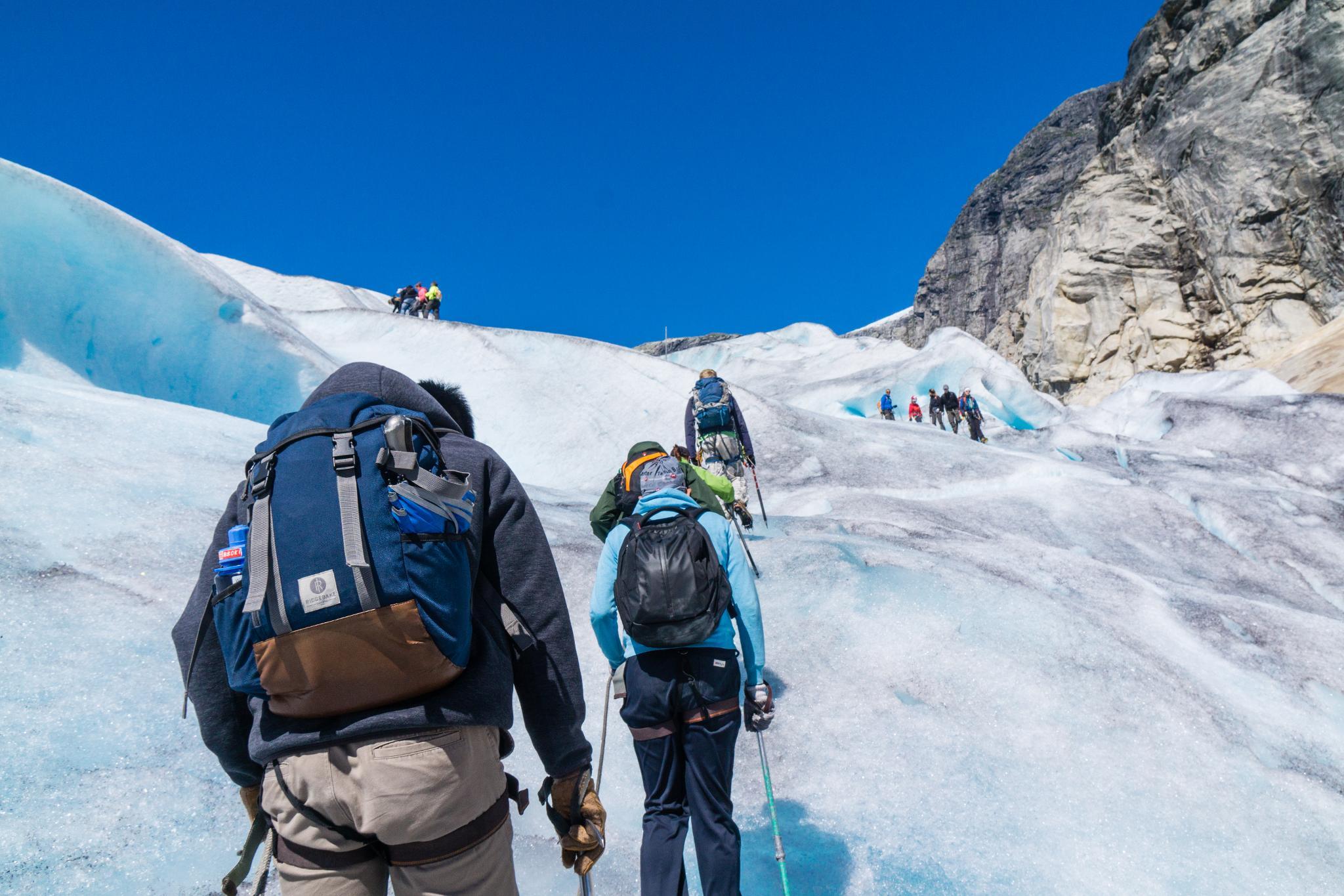 【北歐景點】冒險挪威!峽灣區最刺激的冰河健行 - Nigardsbreen Long Blue Ice Hike 37