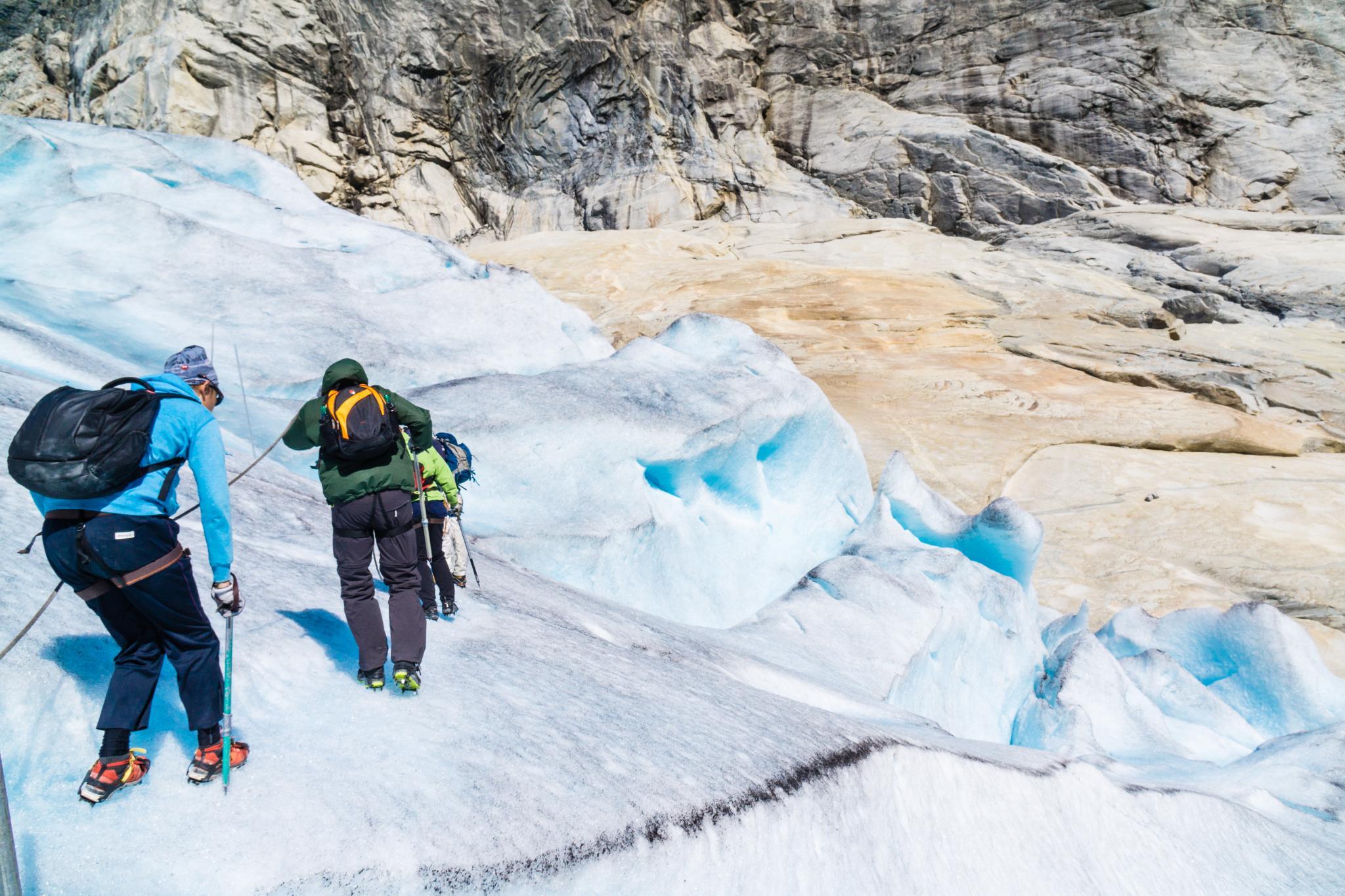 【北歐景點】冒險挪威!峽灣區最刺激的冰河健行 - Nigardsbreen Long Blue Ice Hike 41