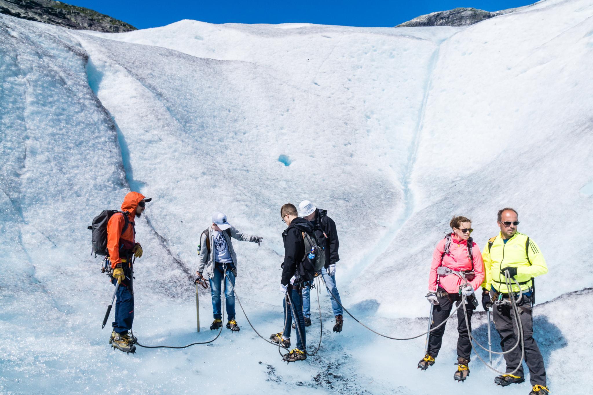 【北歐景點】冒險挪威!峽灣區最刺激的冰河健行 - Nigardsbreen Long Blue Ice Hike 44