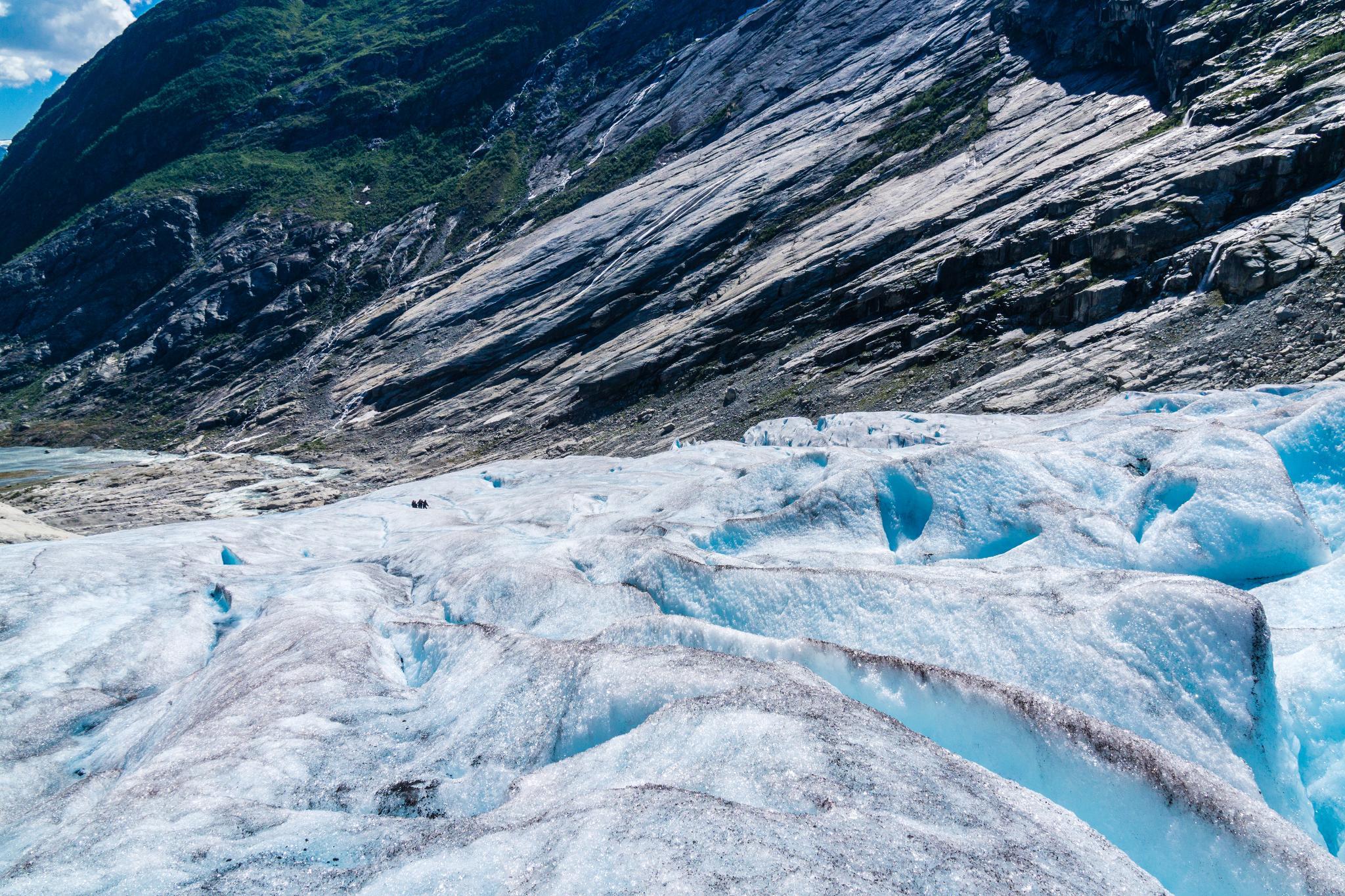 【北歐景點】冒險挪威!峽灣區最刺激的冰河健行 - Nigardsbreen Long Blue Ice Hike 46