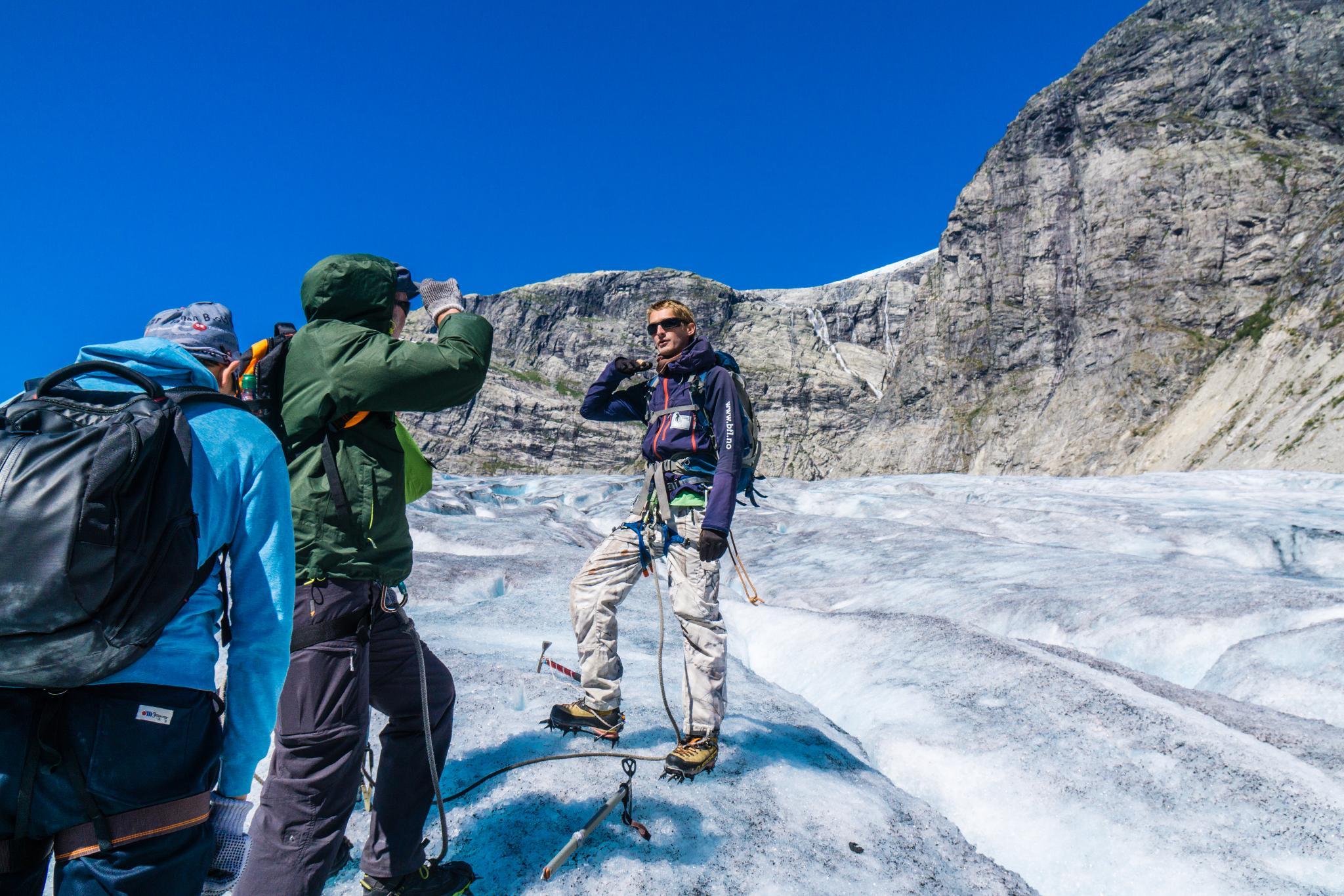 【北歐景點】冒險挪威!峽灣區最刺激的冰河健行 - Nigardsbreen Long Blue Ice Hike 47