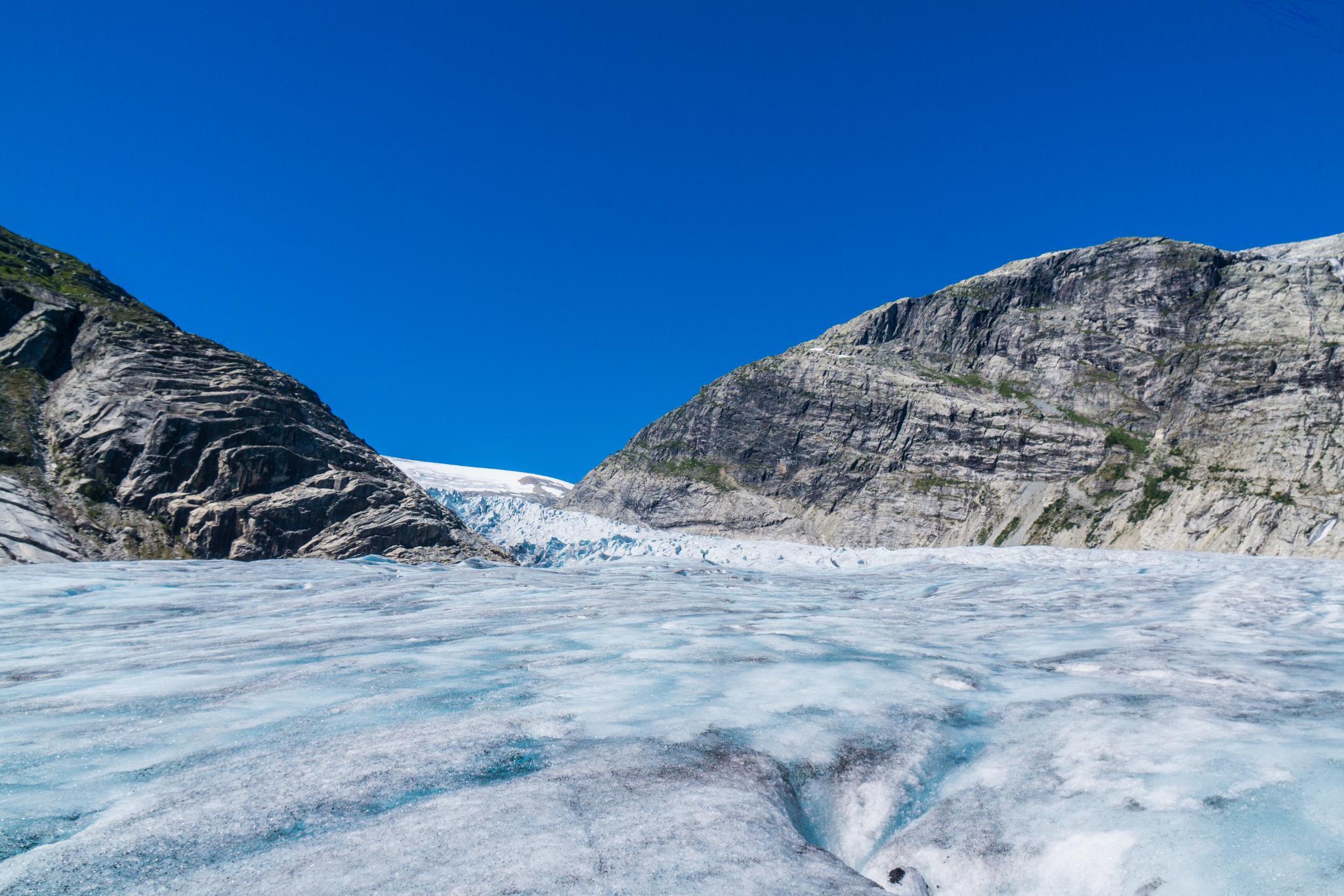 【北歐景點】冒險挪威!峽灣區最刺激的冰河健行 - Nigardsbreen Long Blue Ice Hike 48