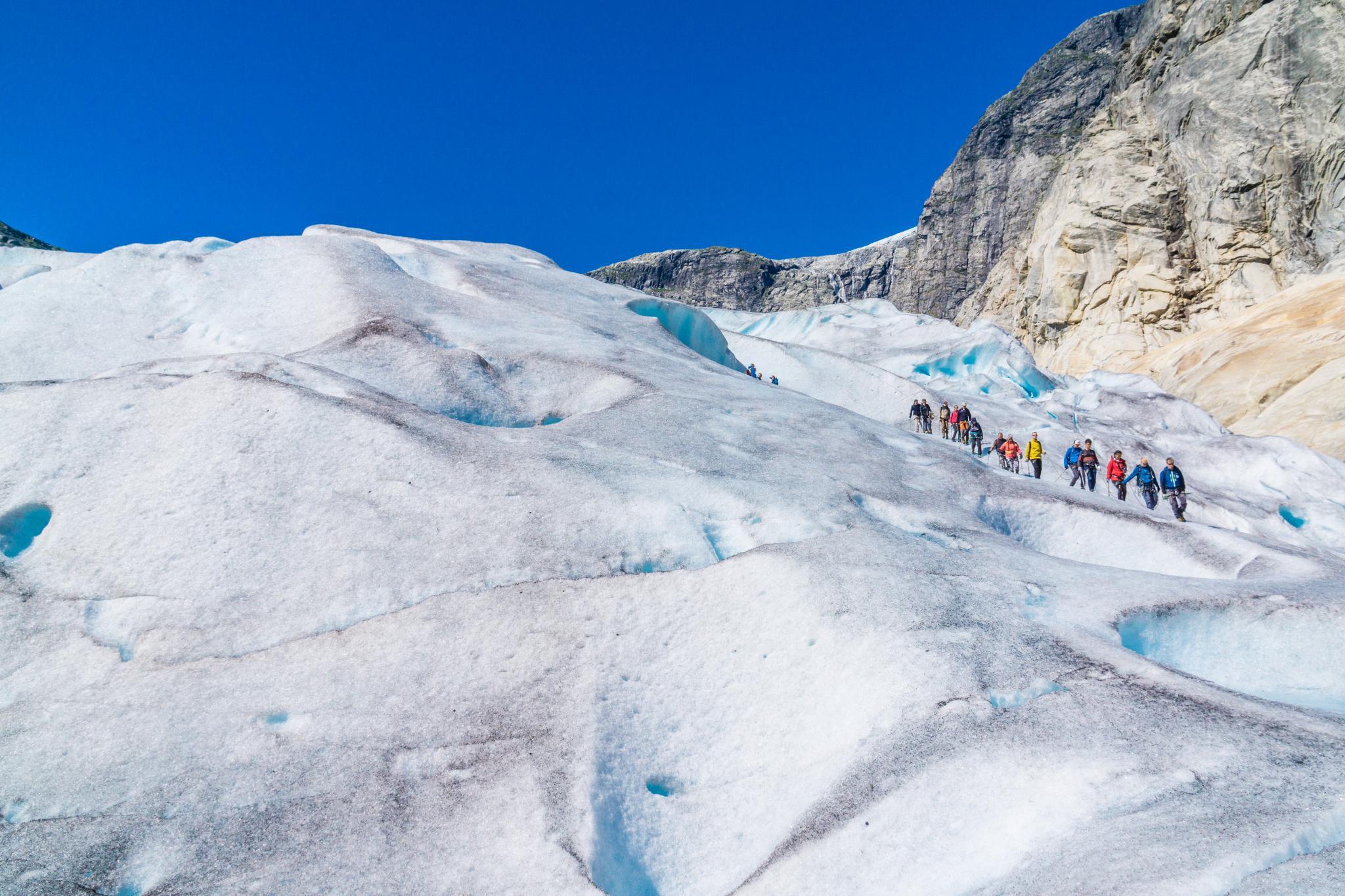 【北歐景點】冒險挪威!峽灣區最刺激的冰河健行 - Nigardsbreen Long Blue Ice Hike 63