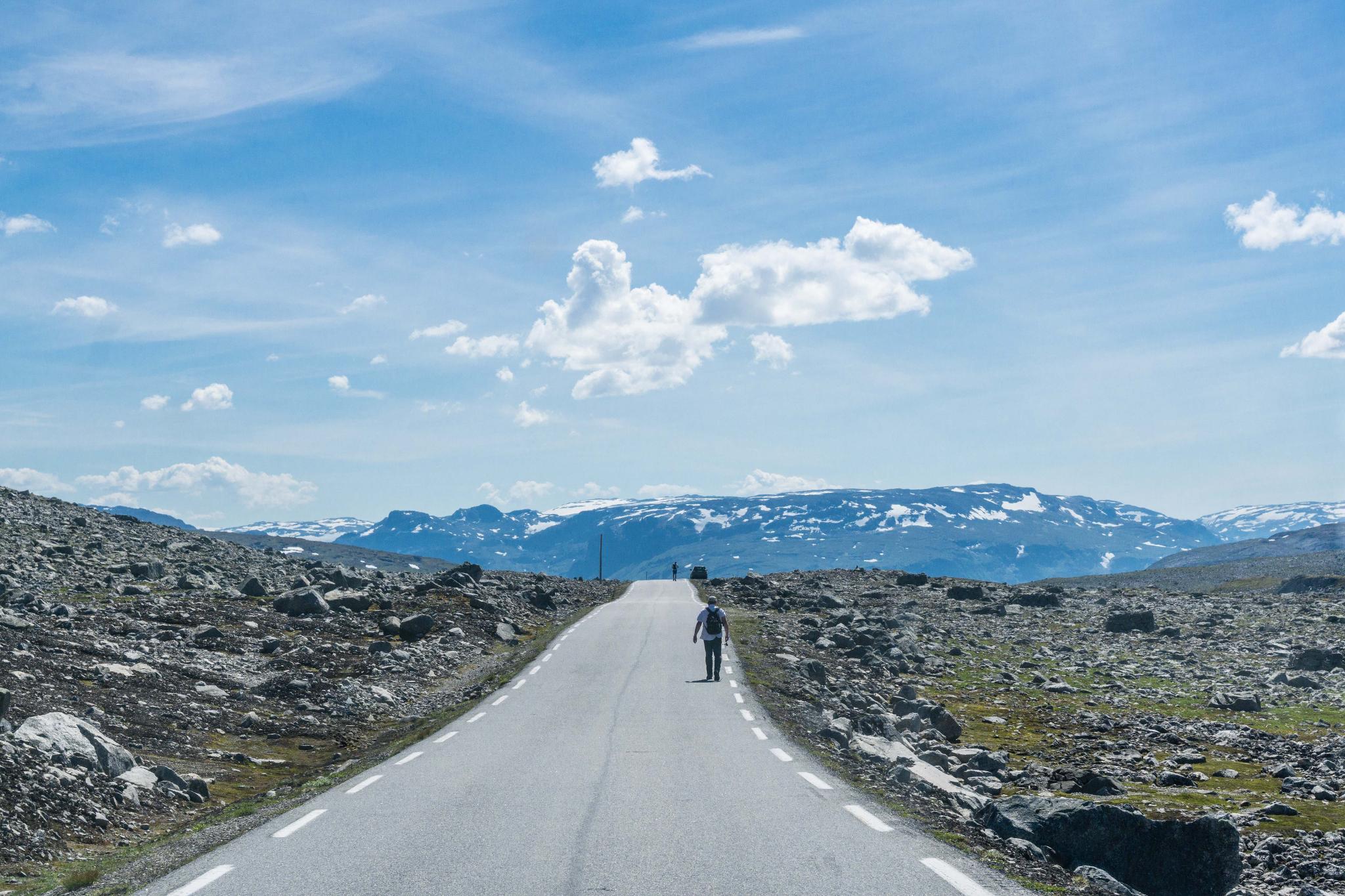 【北歐景點】世界最美景觀公路 - 俯瞰挪威松恩峽灣的 Fv243 雪之路 (Aurlandsfjellet) 26