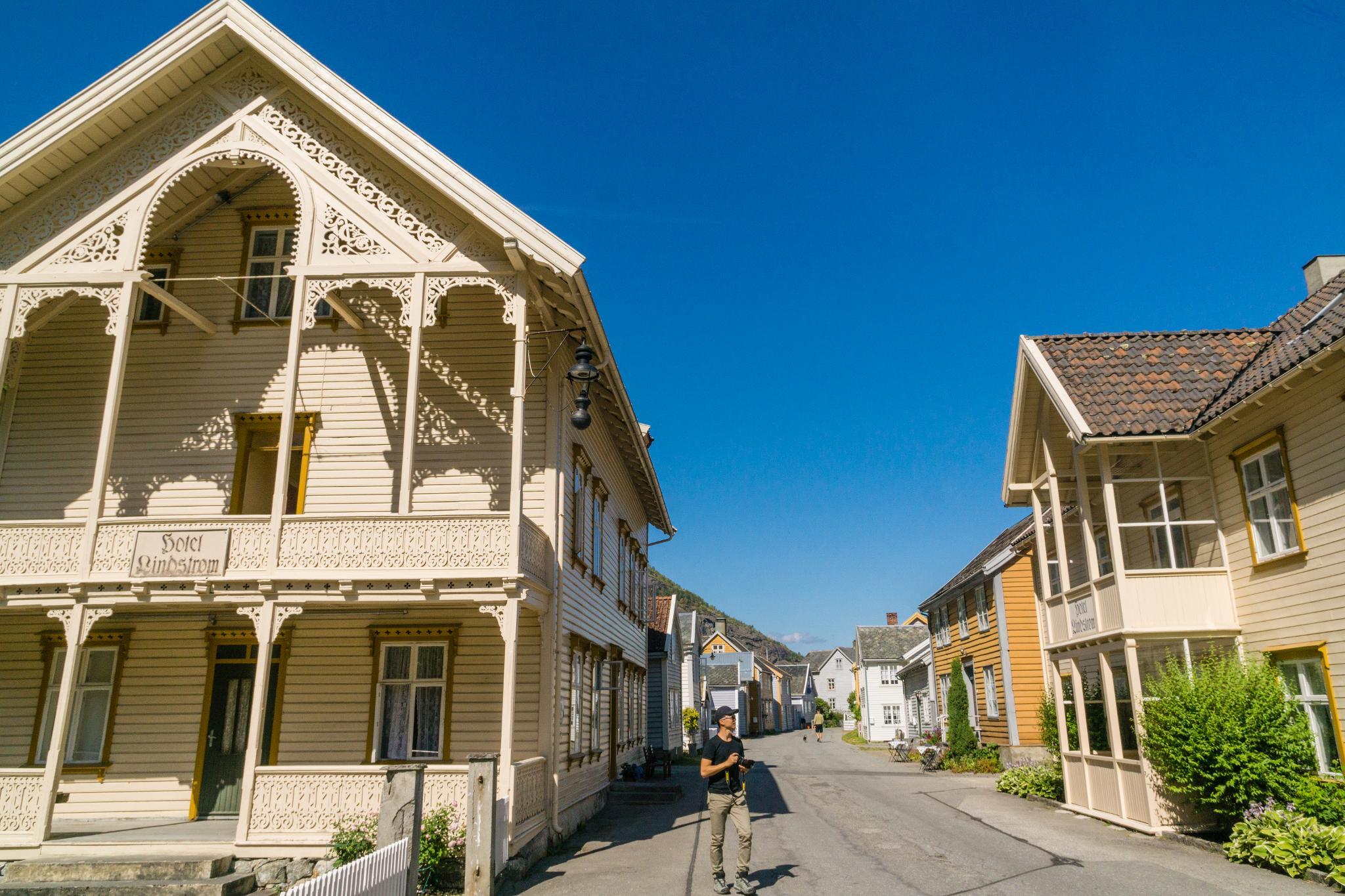 【北歐景點】Lærdalsøyri 世遺松恩峽灣萊達爾小鎮的仲夏風景 30