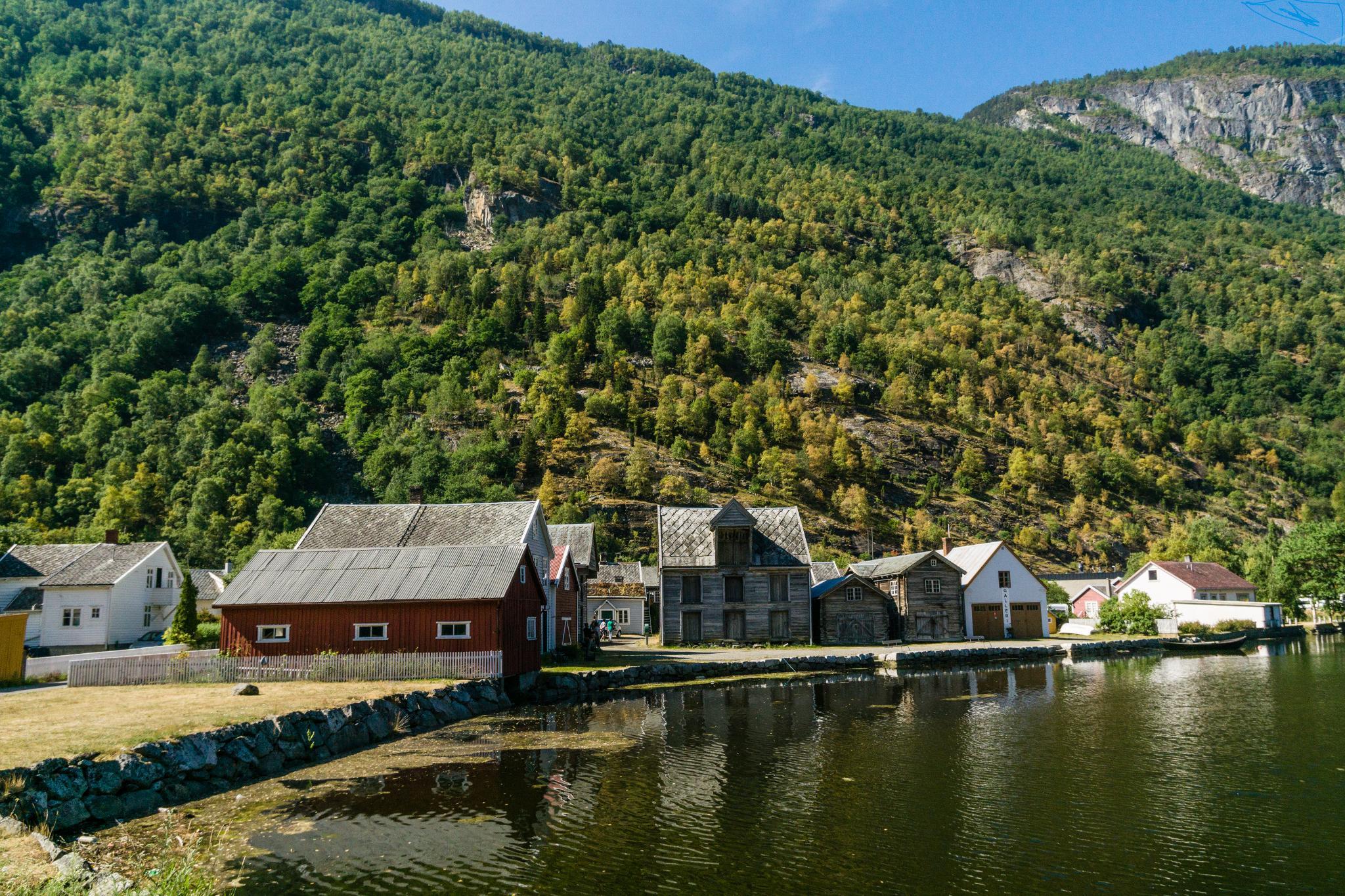 【北歐景點】Lærdalsøyri 世遺松恩峽灣萊達爾小鎮的仲夏風景 29