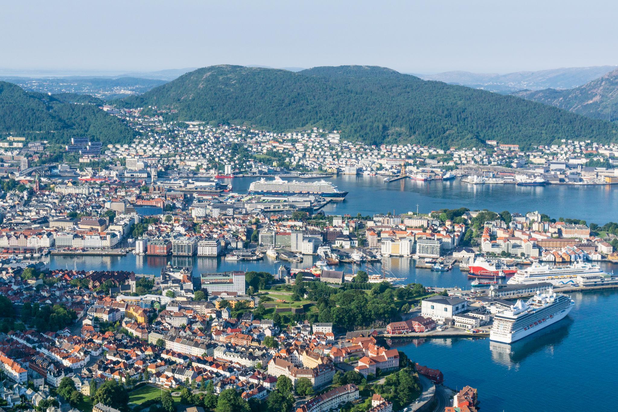 【卑爾根】超級震撼的隱藏版挪威景點 — Stoltzekleiven桑德維克斯石梯與Fløyen佛洛伊恩觀景台大縱走 12