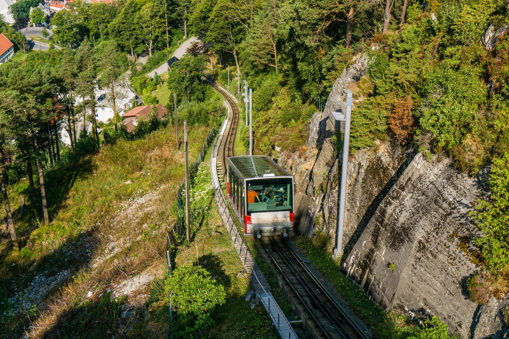 【卑爾根】超級震撼的隱藏版挪威景點 — Stoltzekleiven桑德維克斯石梯與Fløyen佛洛伊恩觀景台大縱走 31