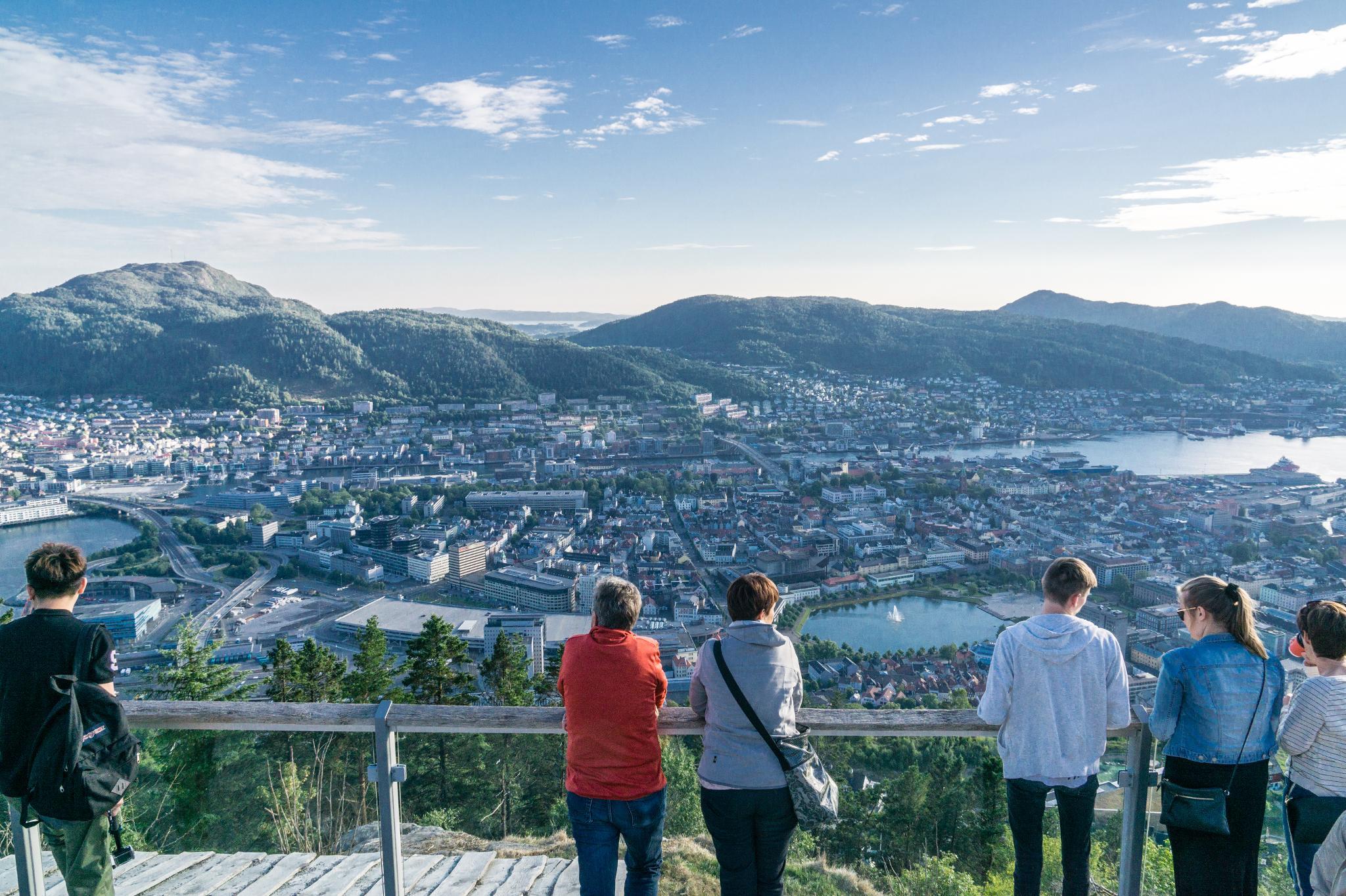【卑爾根】Fløyen 佛洛伊恩山纜車與觀景台 — 擁抱文化港都的百萬美景 77