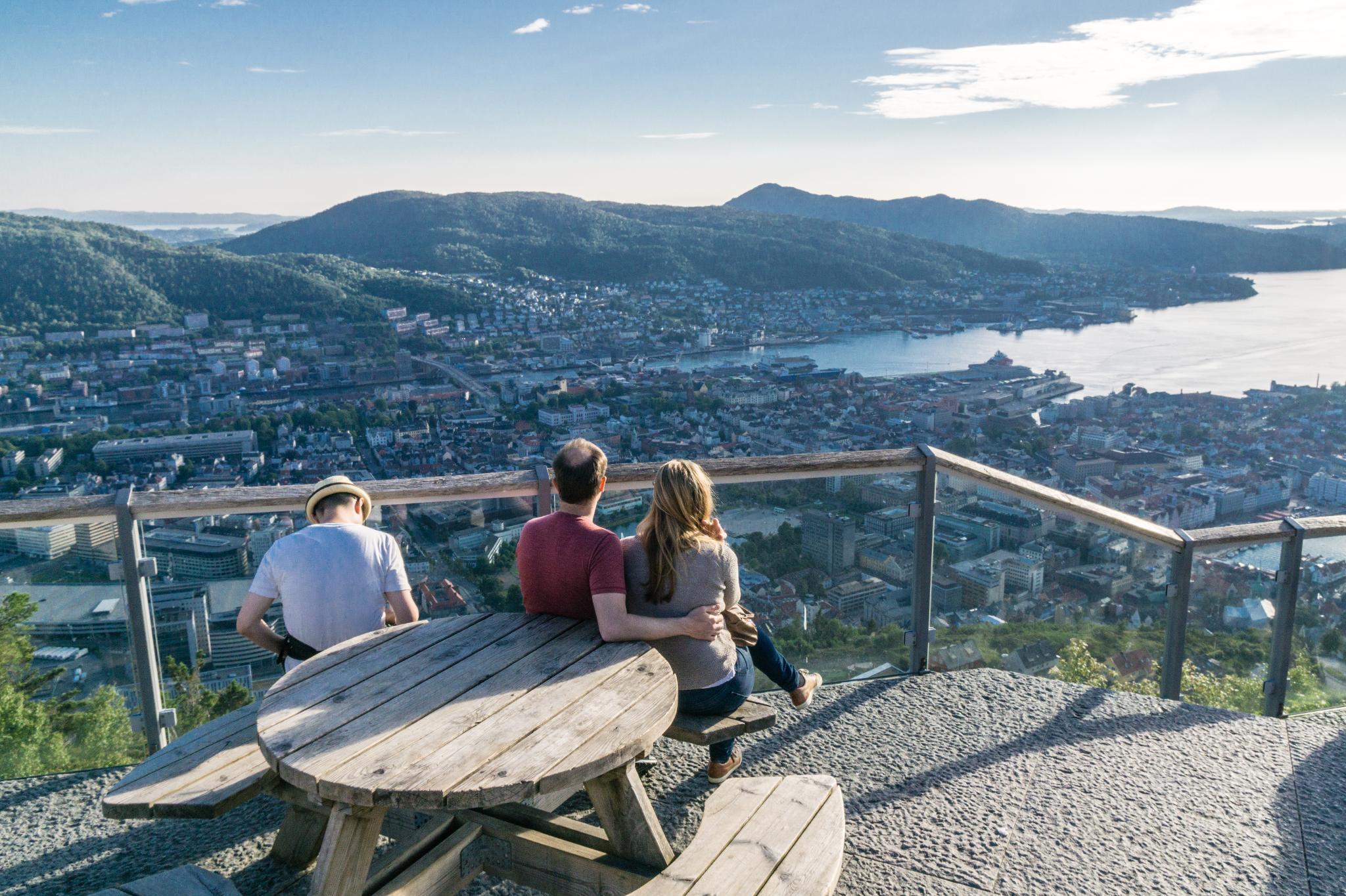【卑爾根】Fløyen 佛洛伊恩山纜車與觀景台 — 擁抱文化港都的百萬美景 87