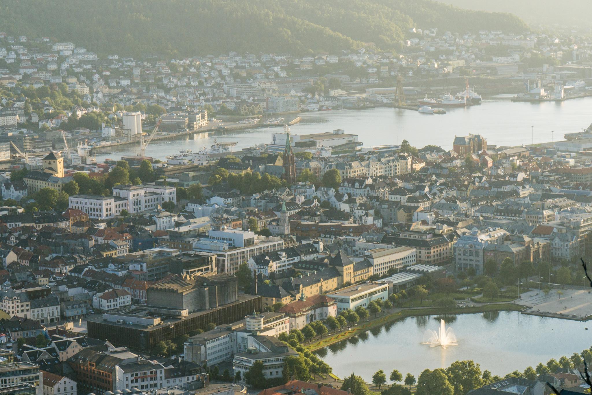 【卑爾根】Fløyen 佛洛伊恩山纜車與觀景台 — 擁抱文化港都的百萬美景 101