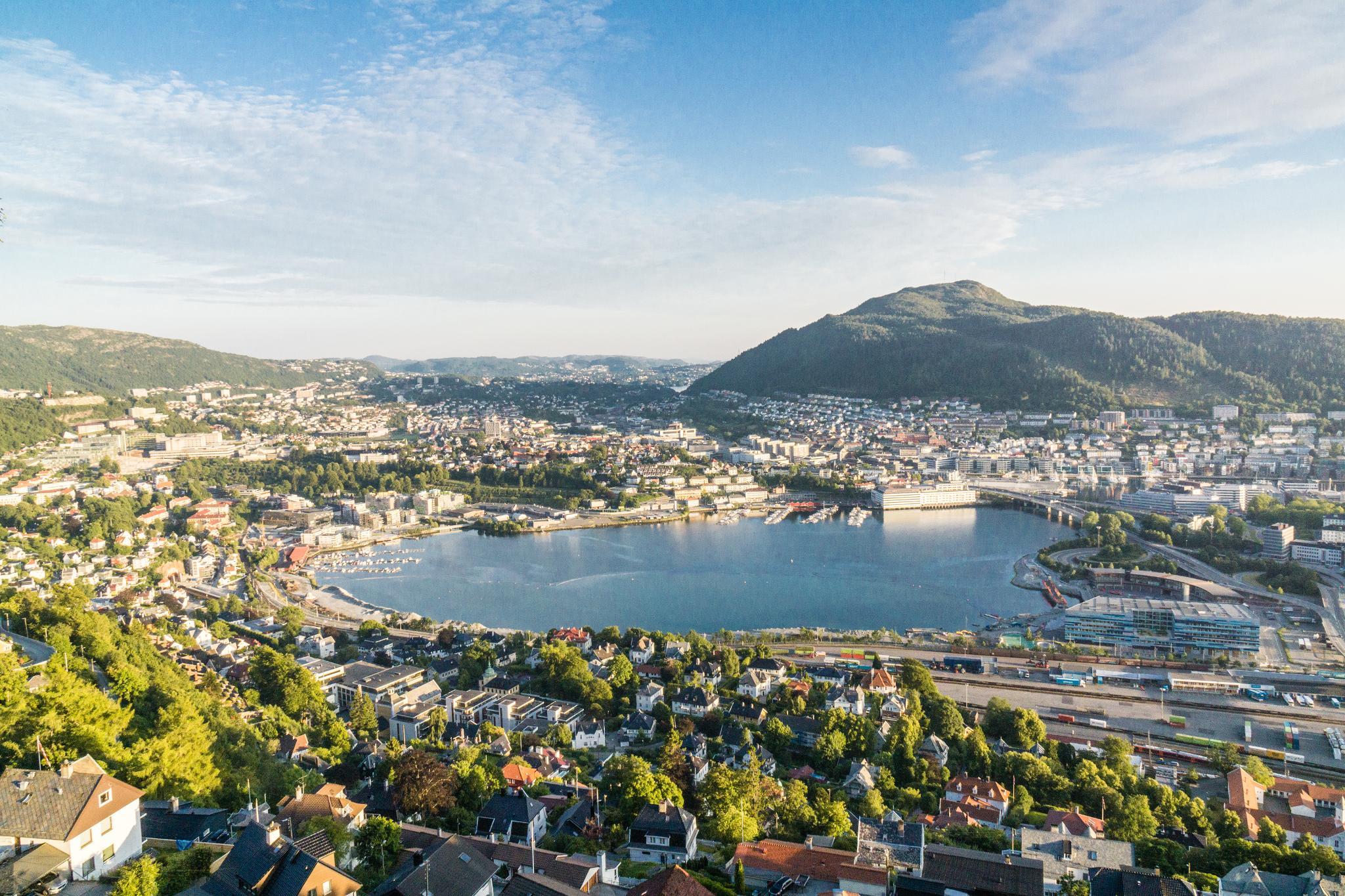 【卑爾根】Fløyen 佛洛伊恩山纜車與觀景台 — 擁抱文化港都的百萬美景 104