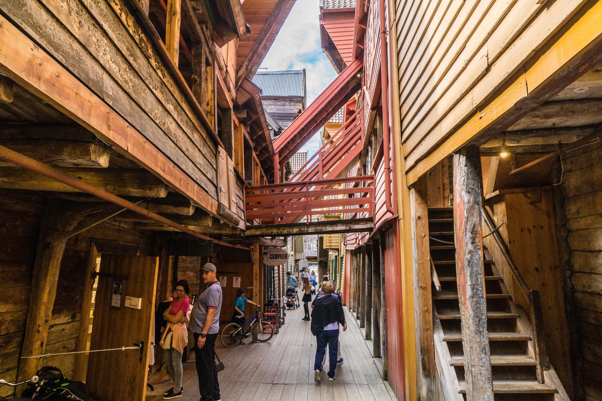 【卑爾根】Bryggen 世界遺產布呂根 — 迷失在百年歷史的挪威彩色木屋 16