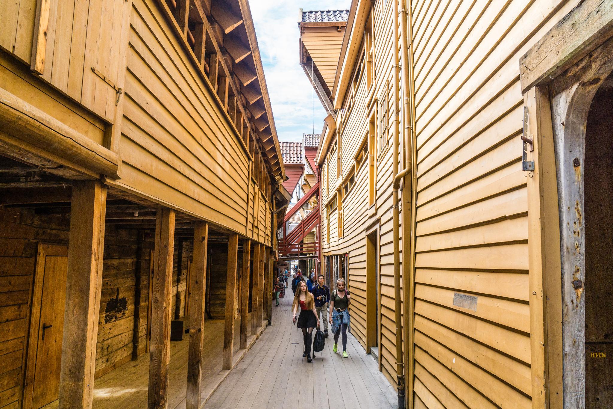 【卑爾根】Bryggen 世界遺產布呂根 — 迷失在百年歷史的挪威彩色木屋 18