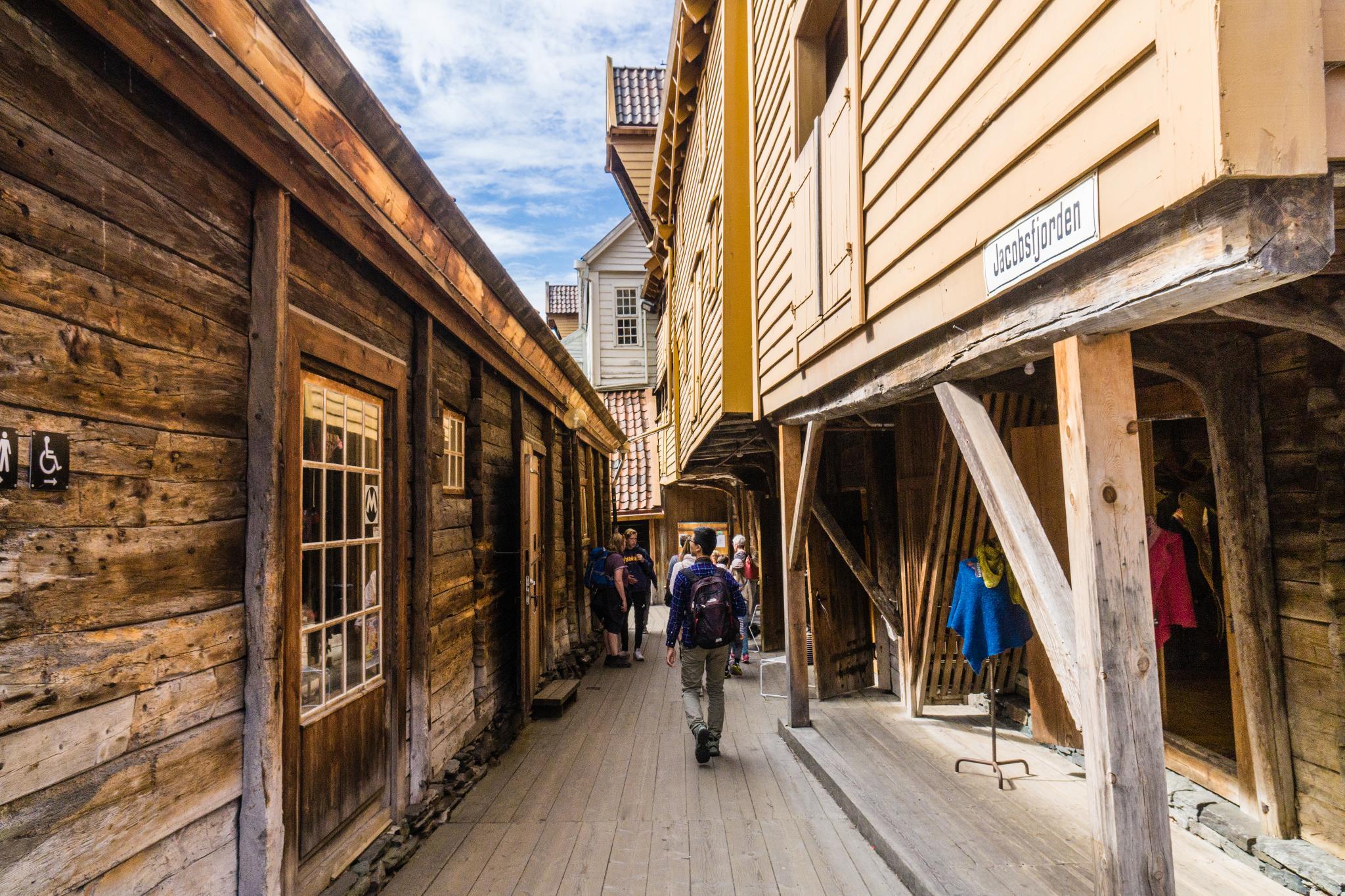 【卑爾根】Bryggen 世界遺產布呂根 — 迷失在百年歷史的挪威彩色木屋 22